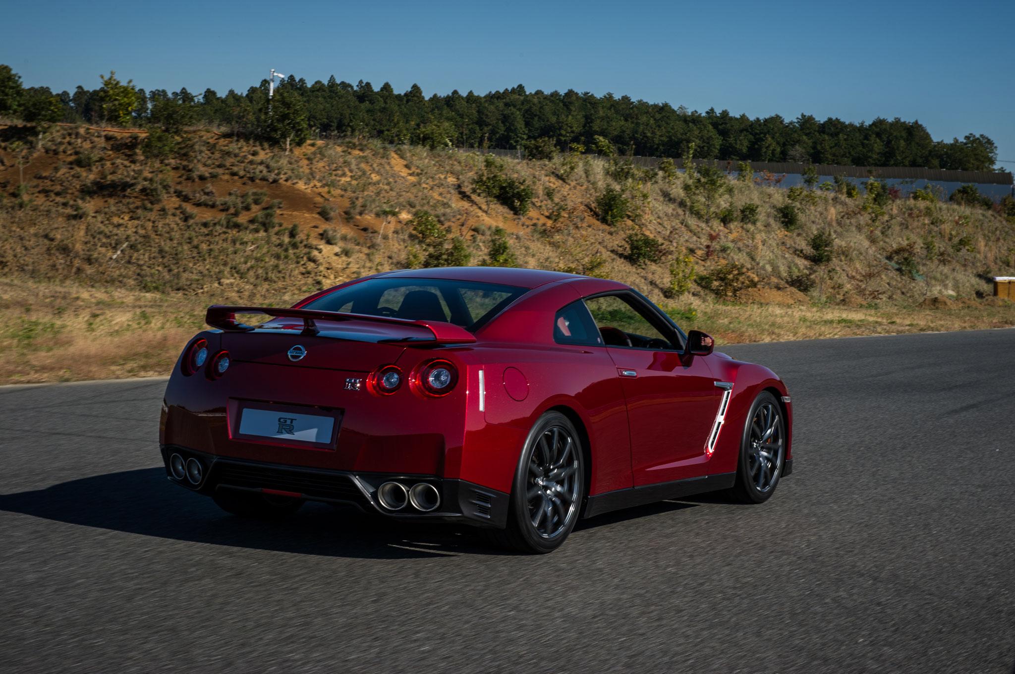 2015 nissan gt-r review - automobile magazine