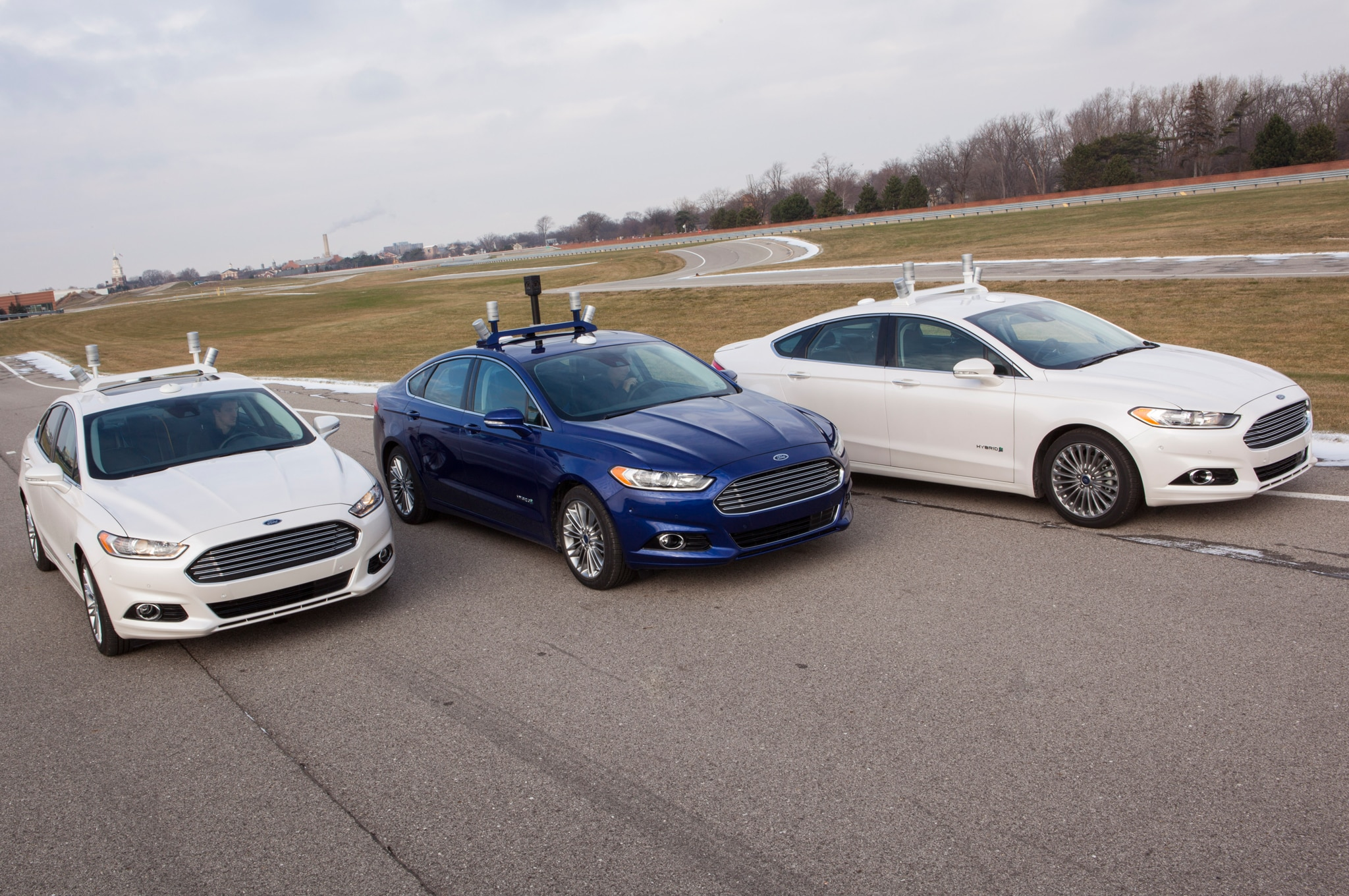 Ford Fusion Hybrid Research Vehicle Trio1