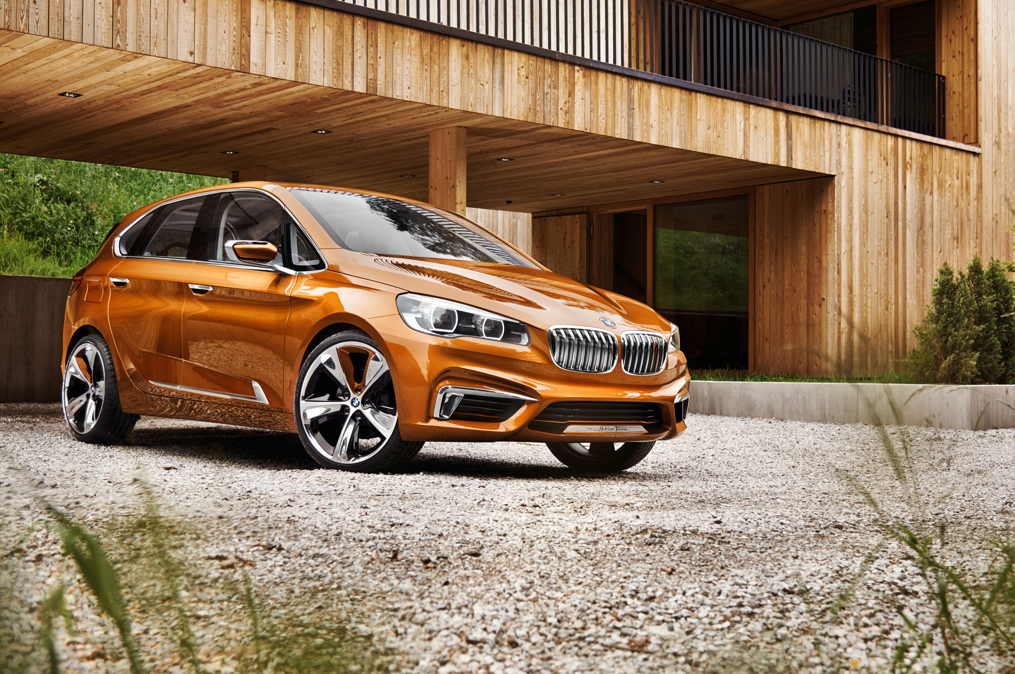 Bmw Concept Active Tourer Outdoor Front Three Quarters 21