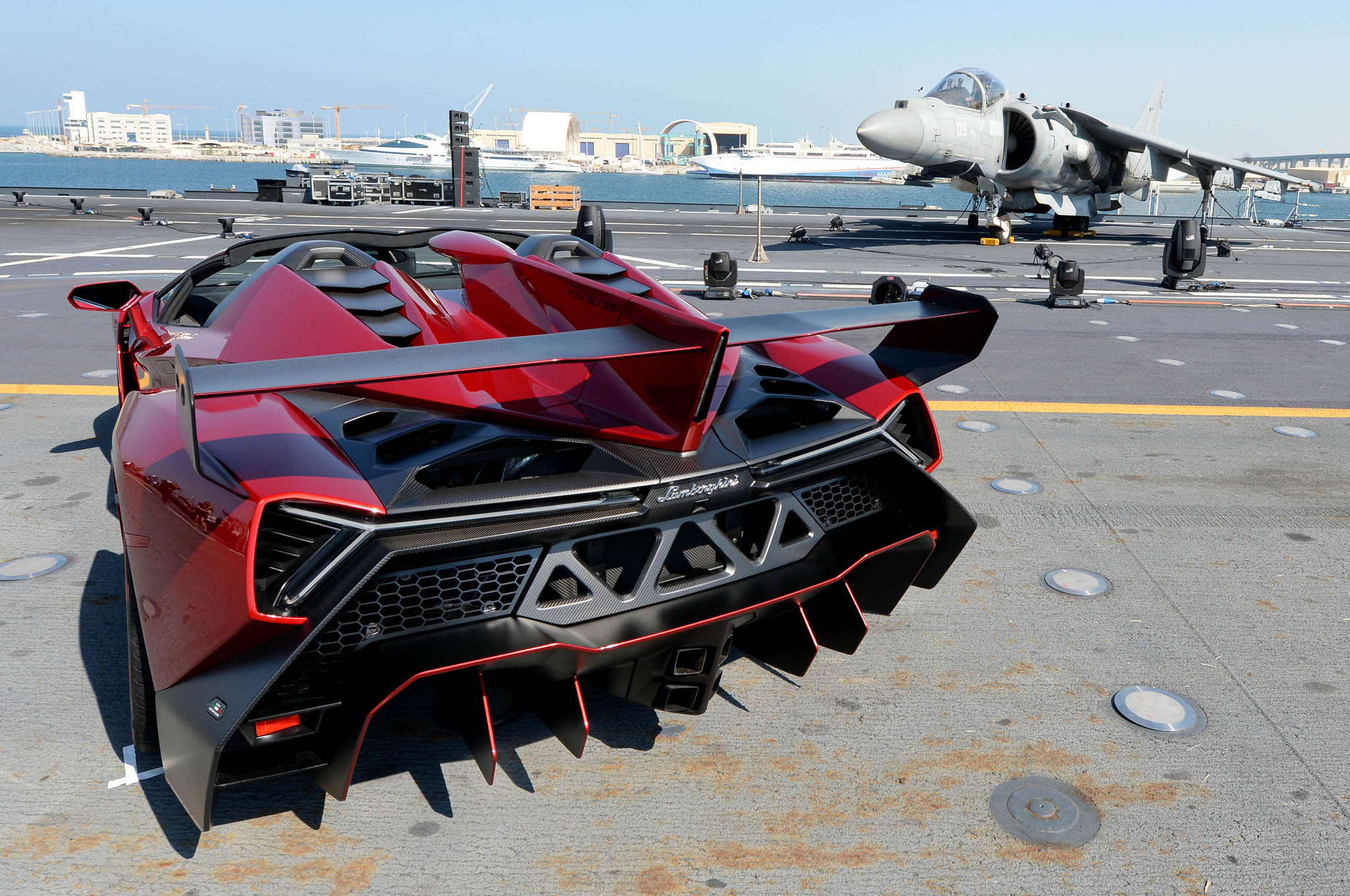 Lamborghini Veneno Roadster Carrier Debut Rear1