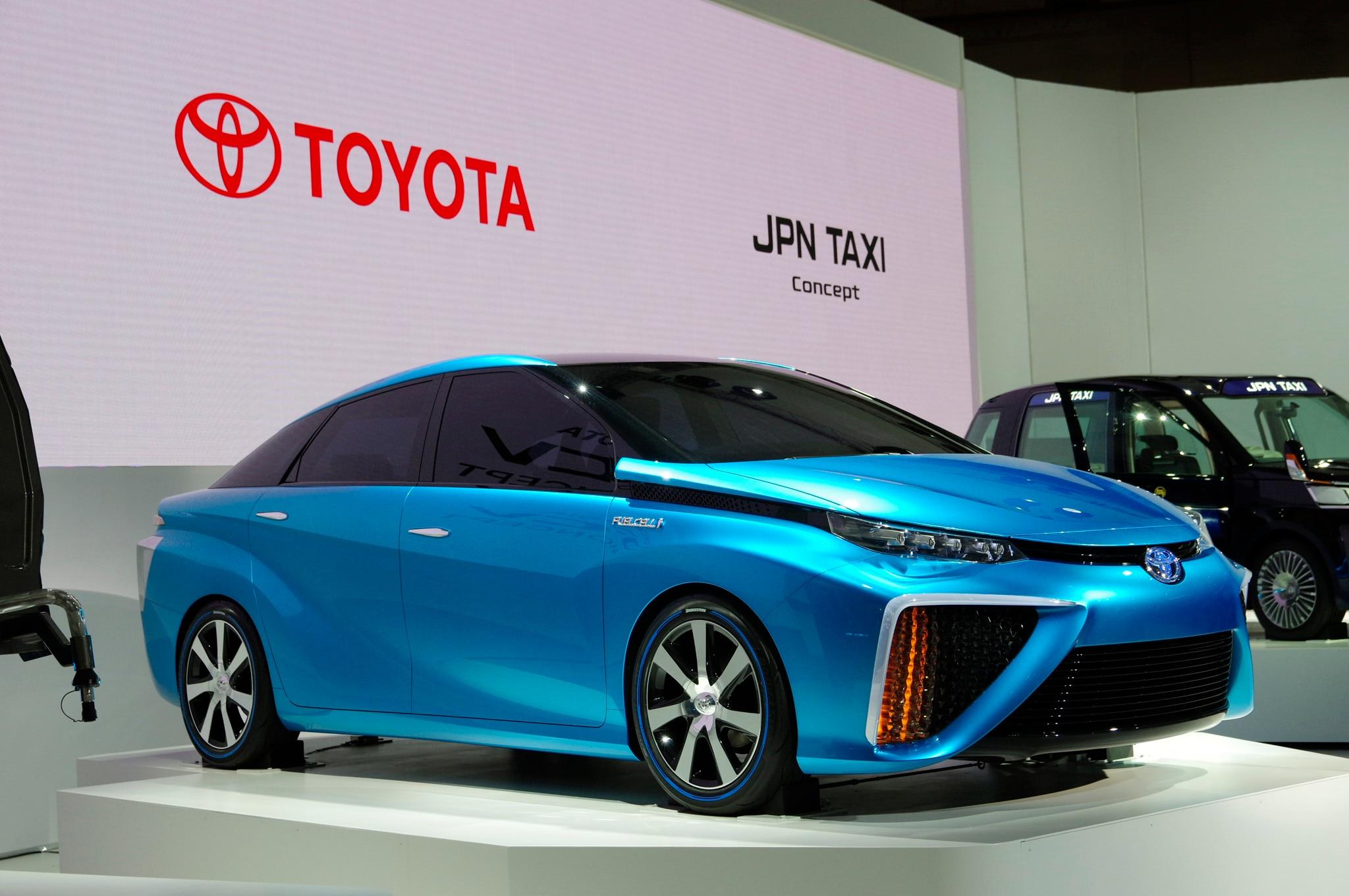 Toyota Fcv Concept Front Three Quarter 21