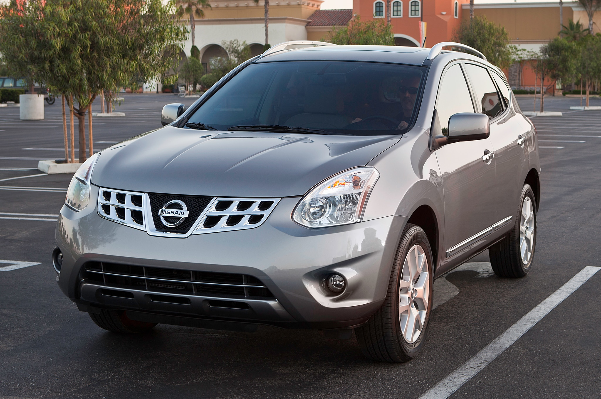 2013 Nissan Rogue Three Quarters Drivers View 0011