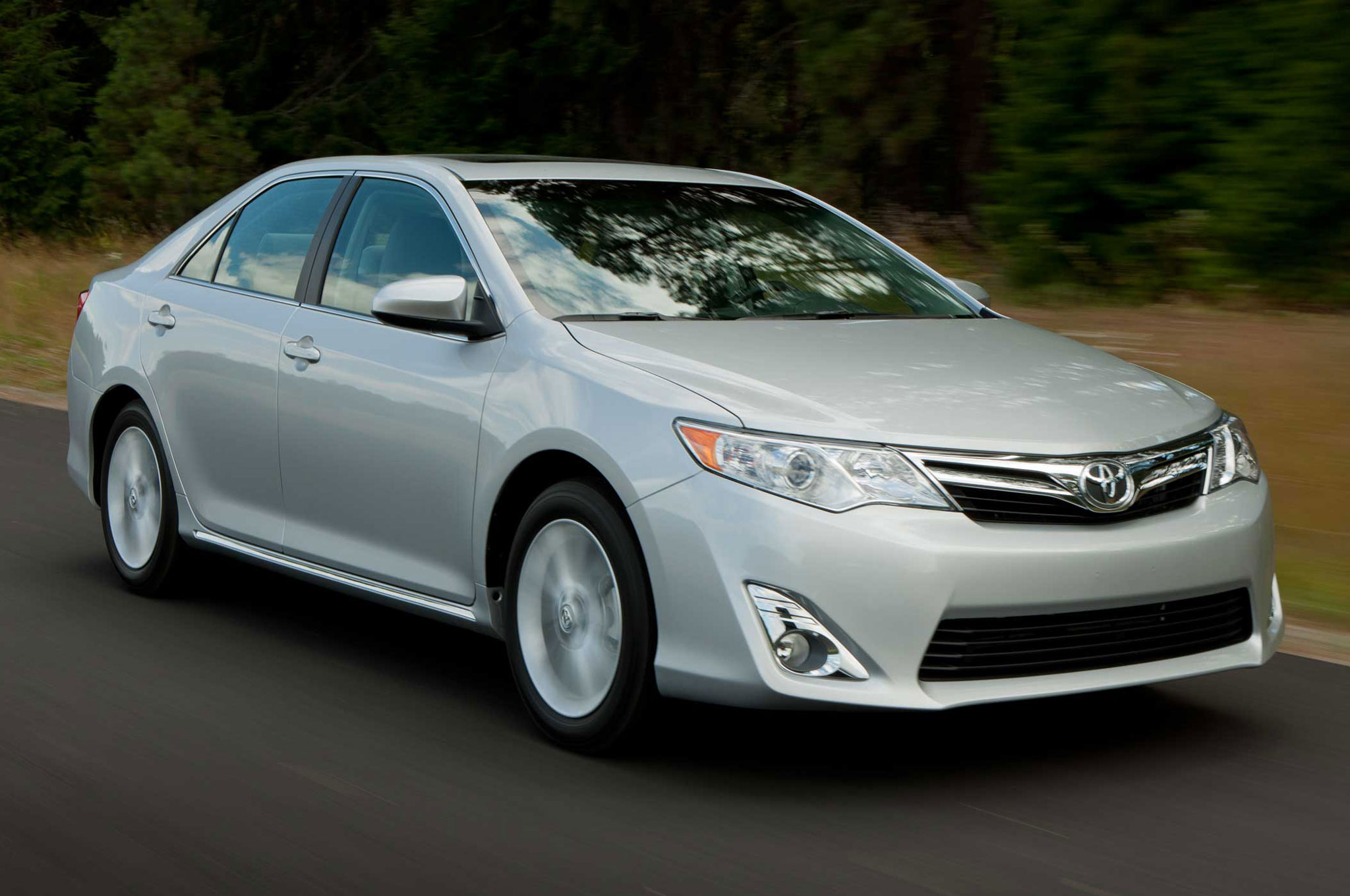 2013 Toyota Camry Front Three Quarter Silver