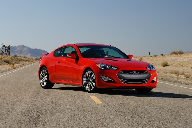 2013 Hyundai Genesis Coupe Three Quarters Passengers Side1 660x440
