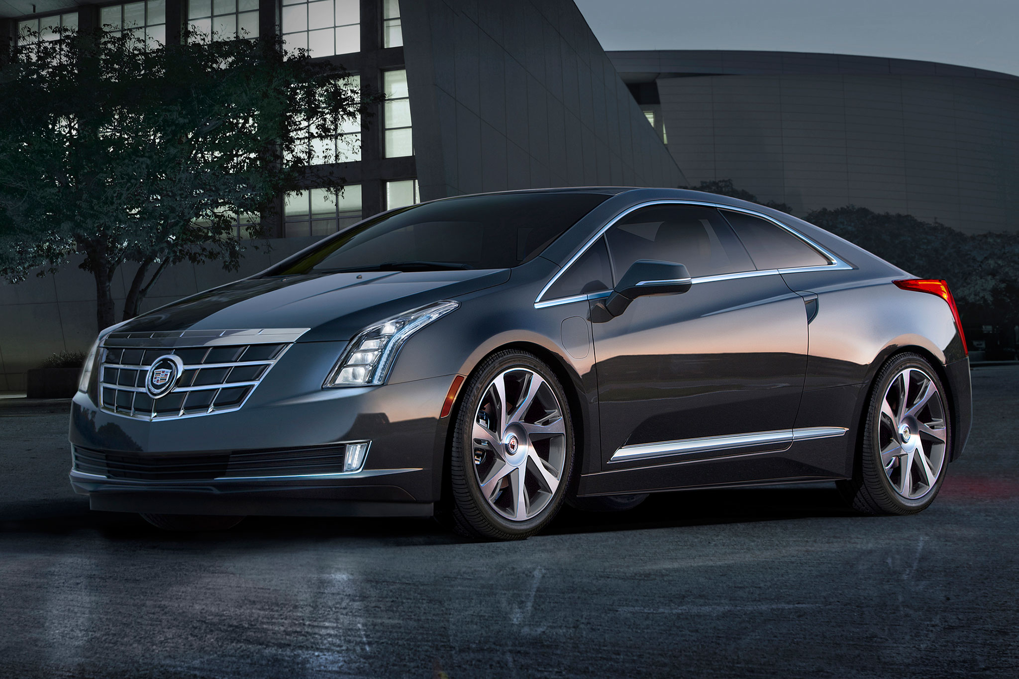 2014 Cadillac ELR Front Drivers Side View1