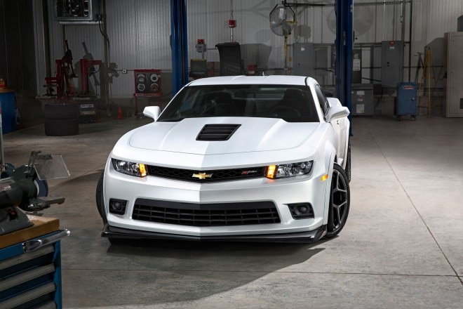 2014 Chevrolet Camaro Z28 Front Above View1 660x440