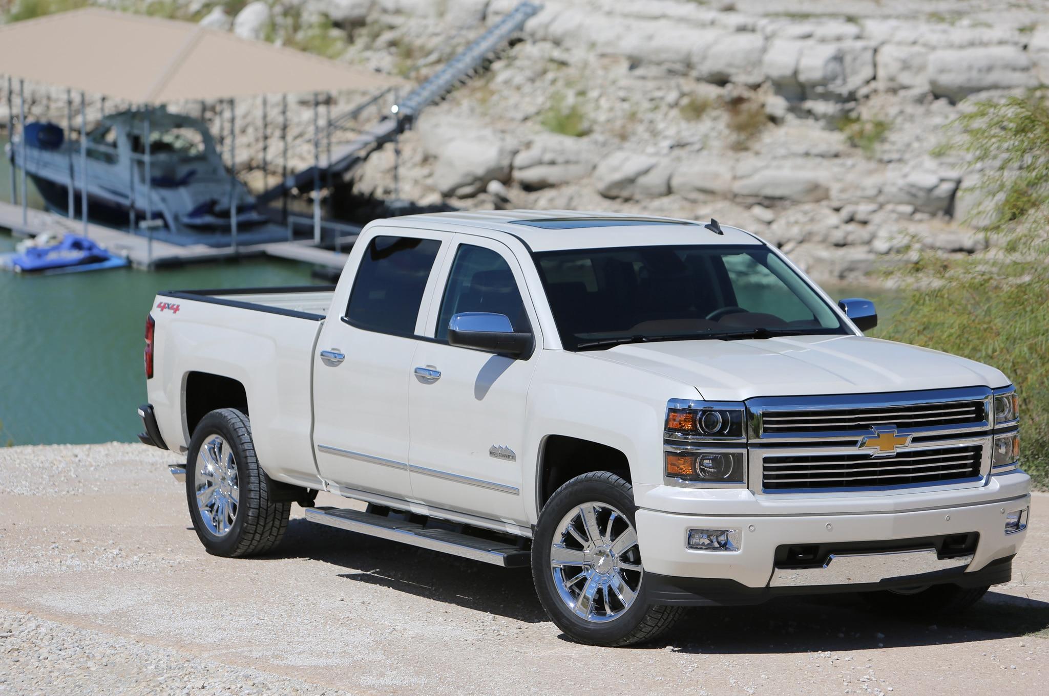 2014 Chevrolet Silverado High Country Front1
