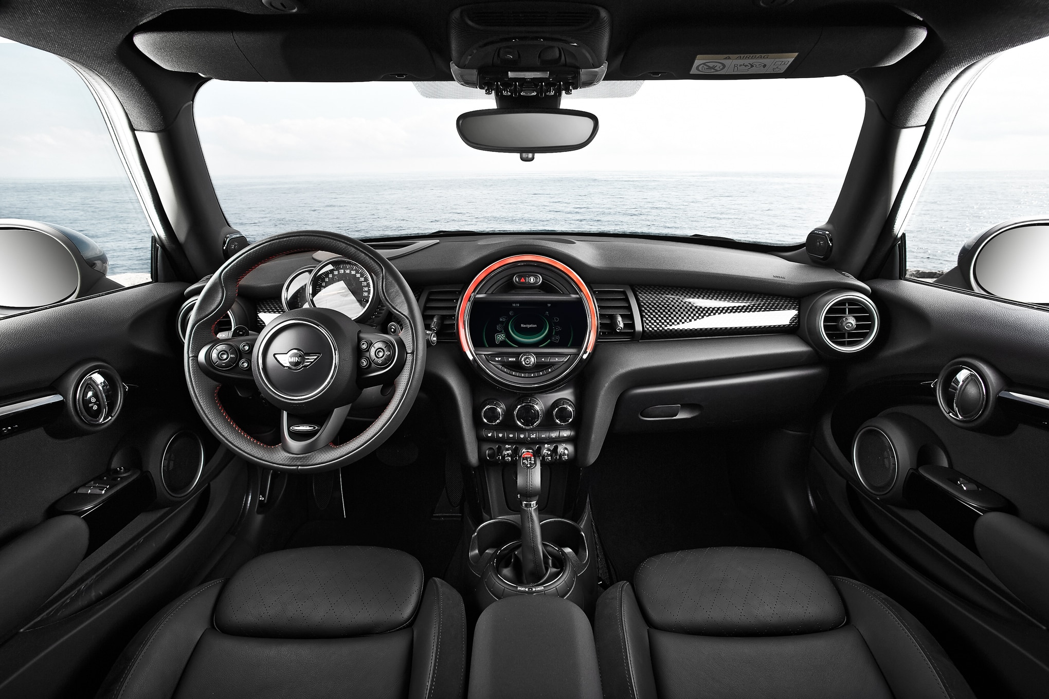 2014 mini cooper s review automobile magazine for Mini cooper s interieur