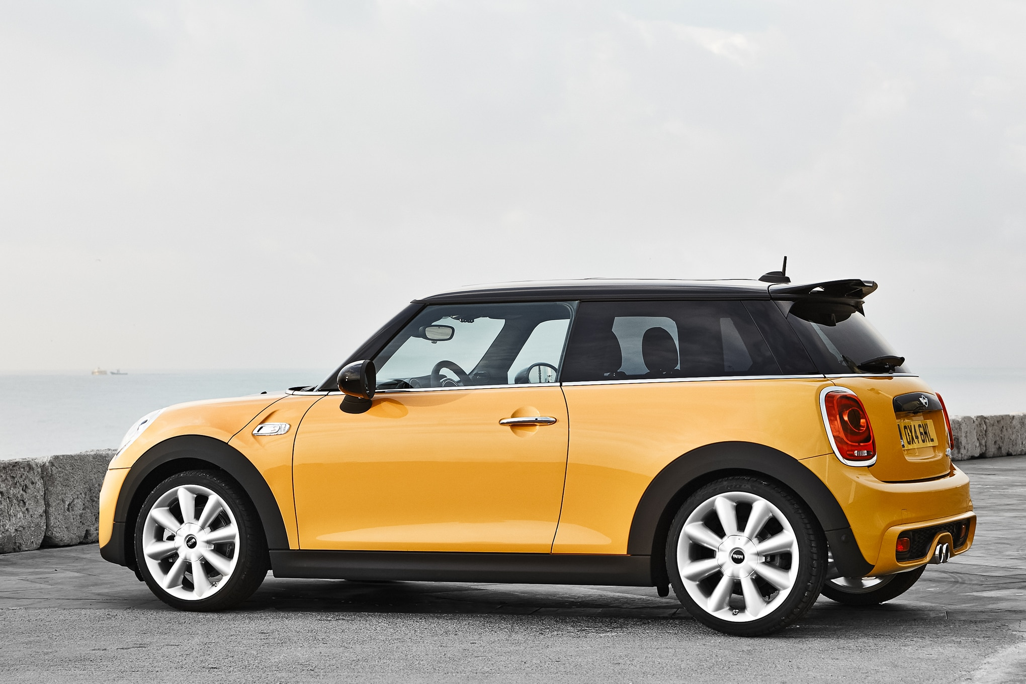 2014 mini cooper s review automobile magazine. Black Bedroom Furniture Sets. Home Design Ideas