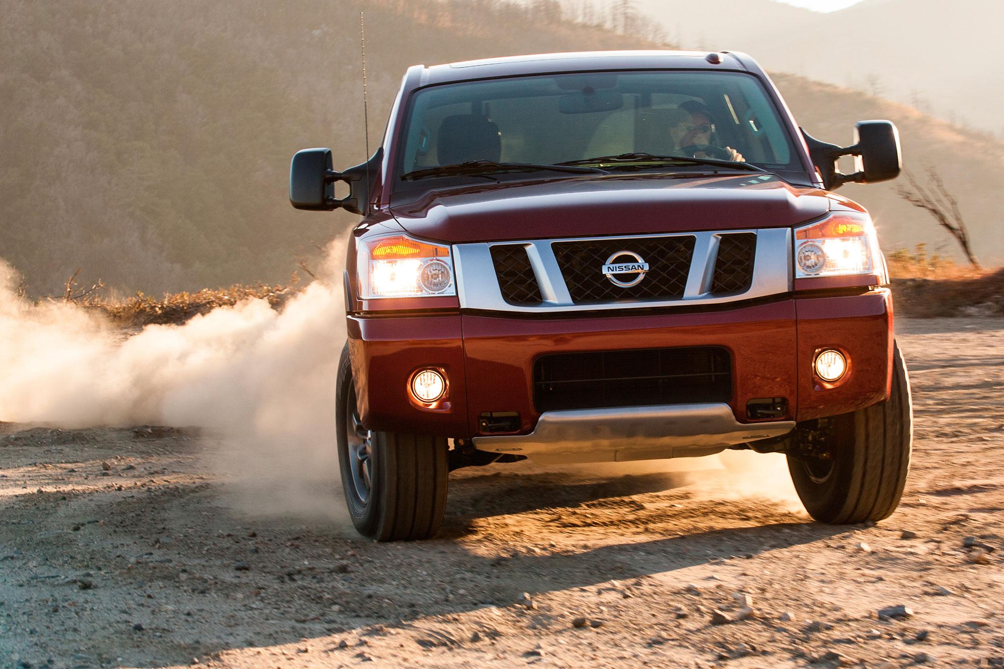 2014 Nissan Titan Side View1