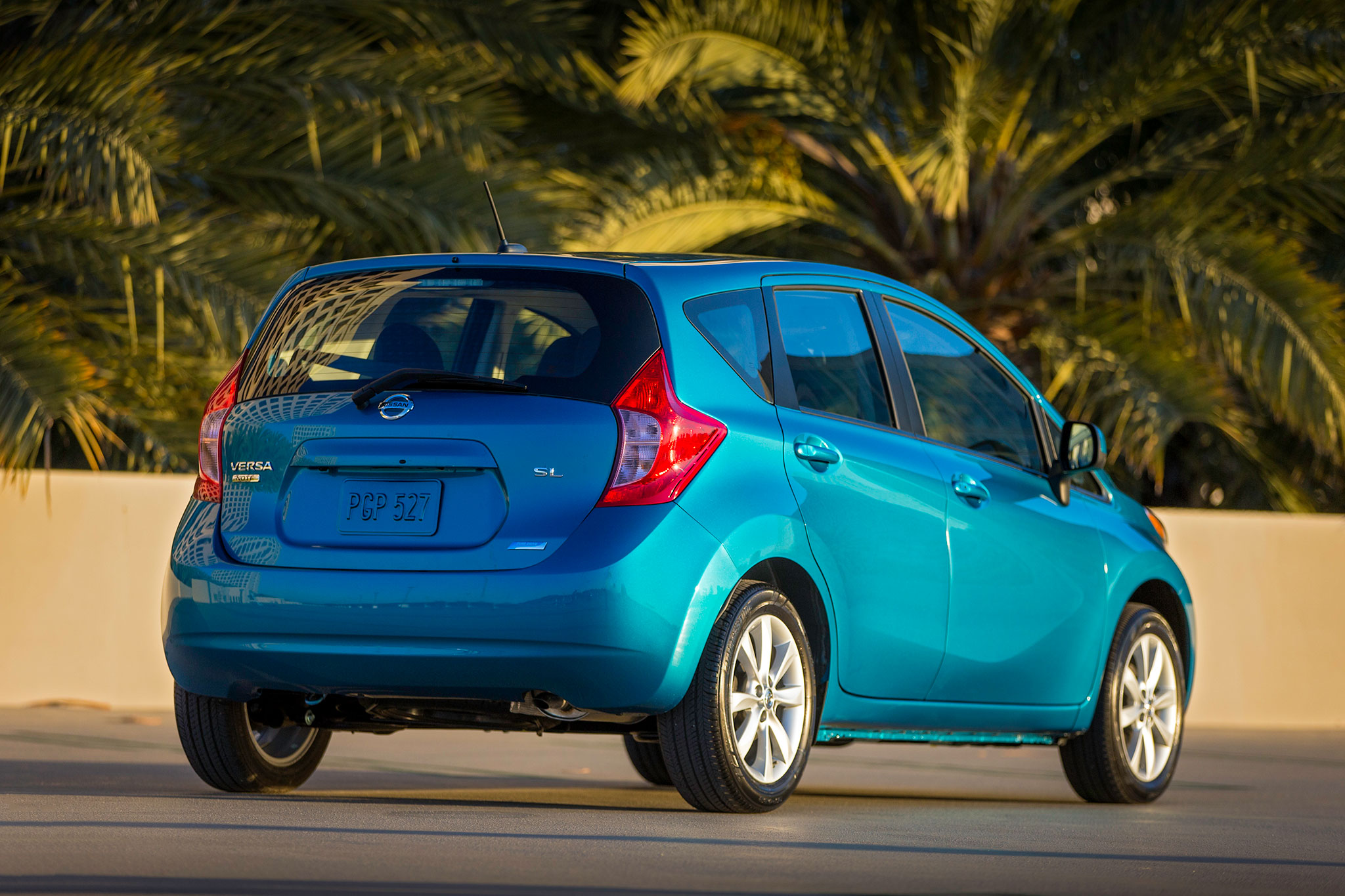 feature flick delivers a 2014 nissan versa note automobile magazine. Black Bedroom Furniture Sets. Home Design Ideas