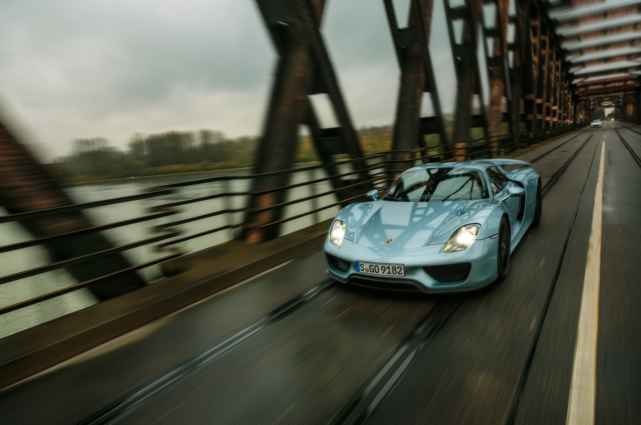 2014 Porsche 918 Spyder In Germany Front Three Quarter Over Bridge