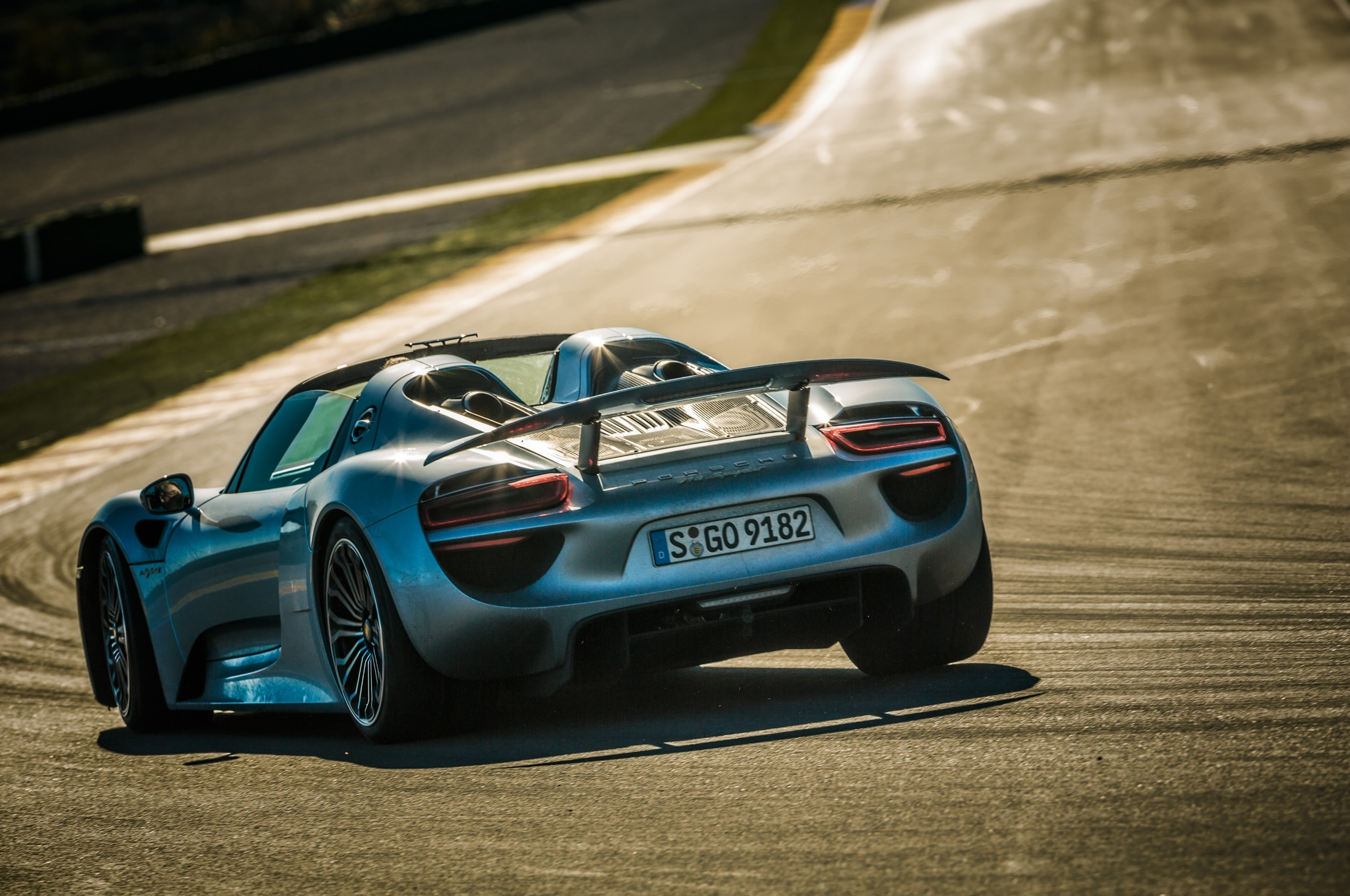 2014-Porsche-918-Spyder-in-Germany-rear-end-in-motion-02 Cozy Porsche 918 Spyder Concept Price Real Racing 3 Cars Trend