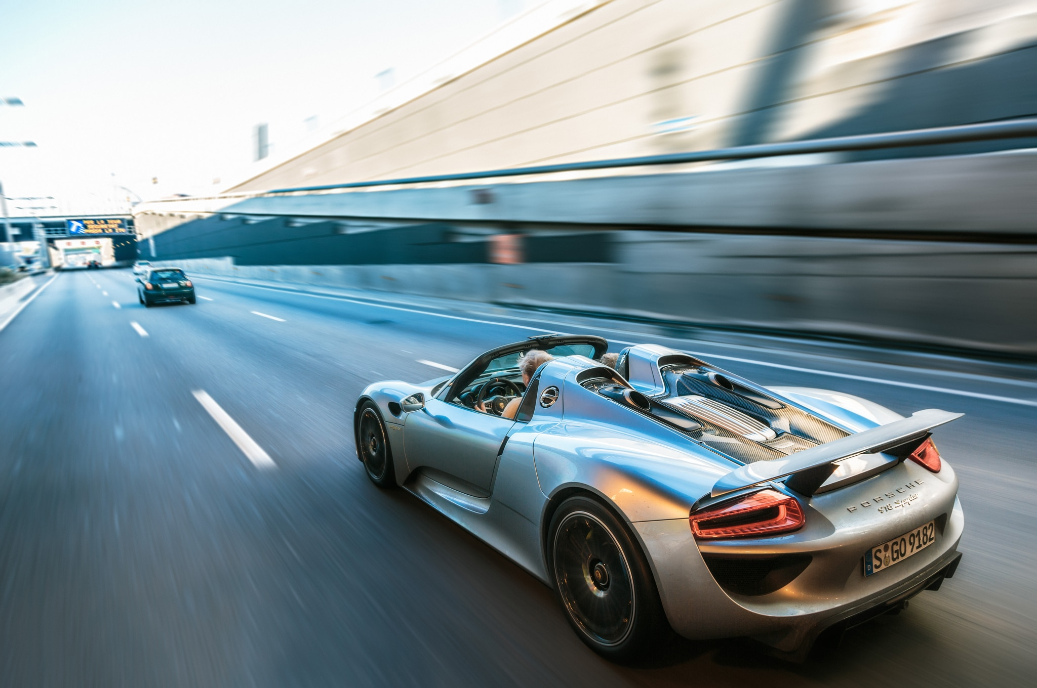 2014-Porsche-918-Spyder-in-Germany-rear-three-quarters-in-motion Marvelous Porsche 918 Spyder Mark Webber Cars Trend