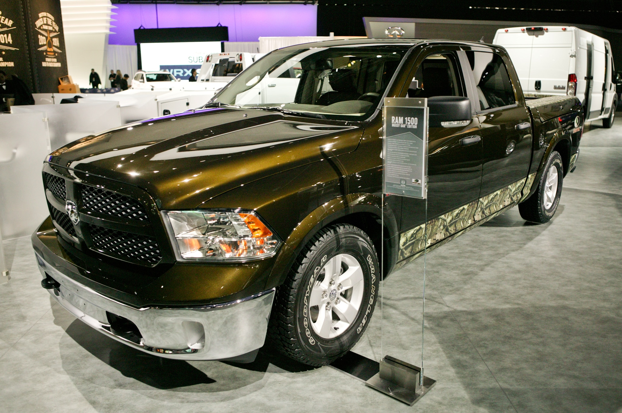 2014 Ram 1500 Mossy Oak Edition Front Three Quarters1
