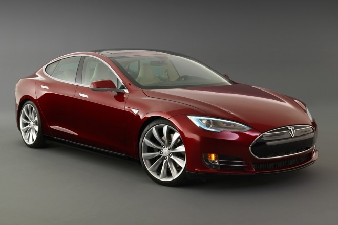 2014 Tesla Model S Three Quarters View 660x440