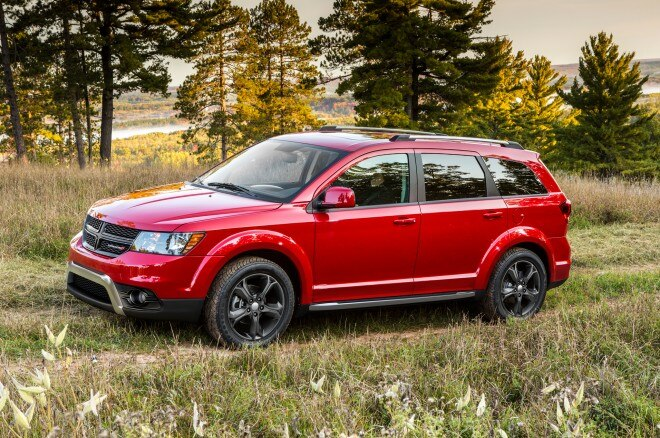 2014 Dodge Journey Crossroad Front Three Quarter 11 660x438