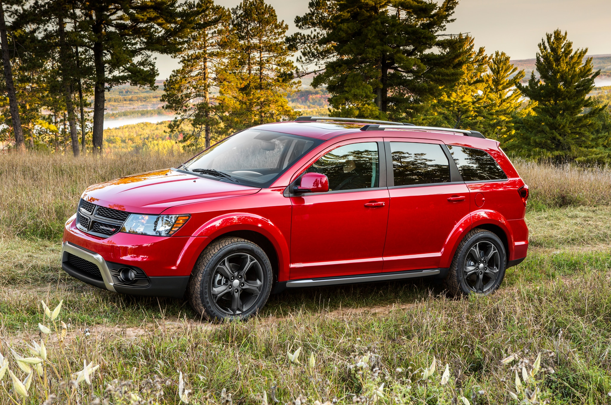 2014 Dodge Journey Crossroad Front Three Quarter 11