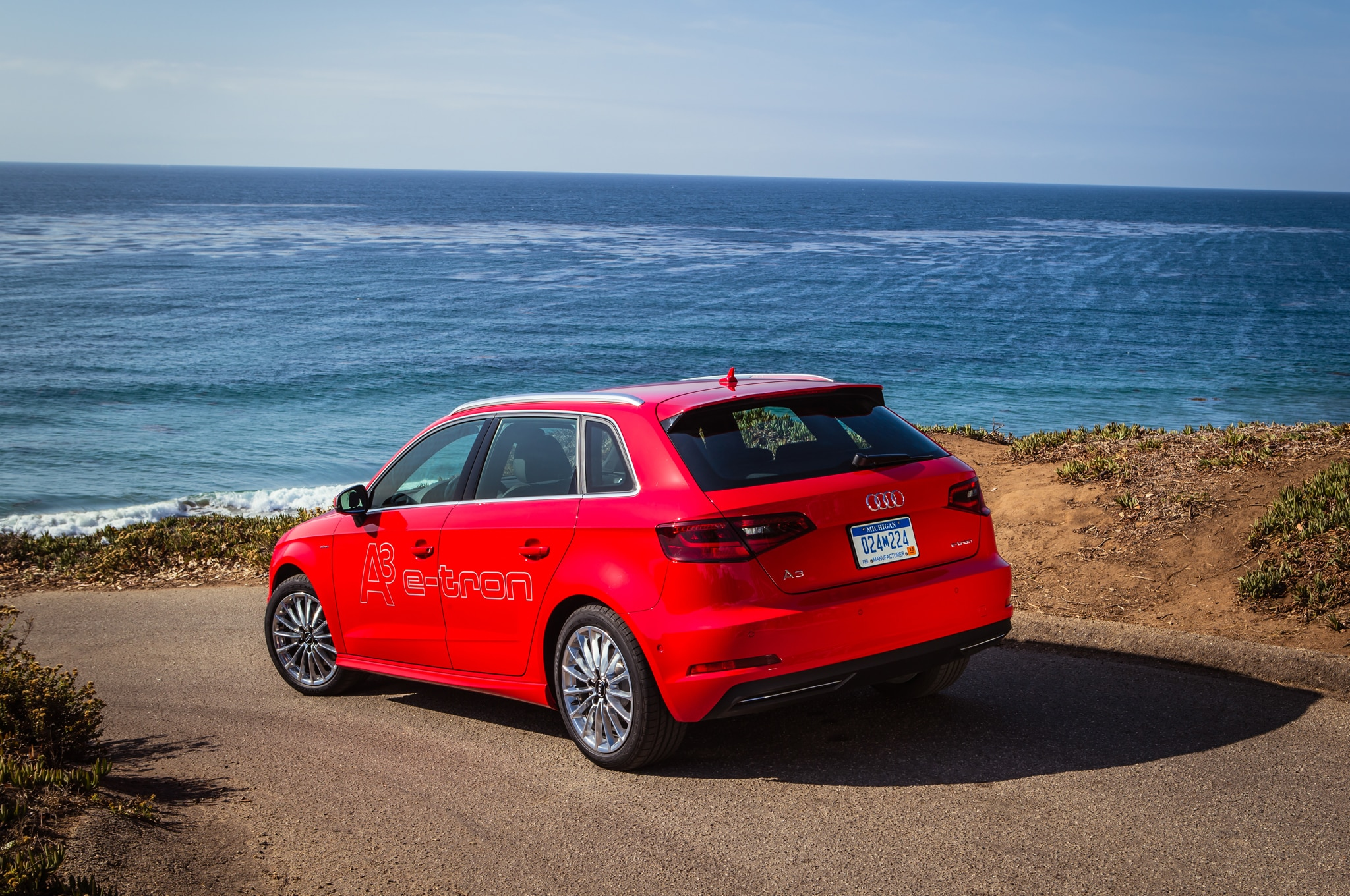 Hands on With the 2015 Audi A3 Sportback e-tron PHEV ...
