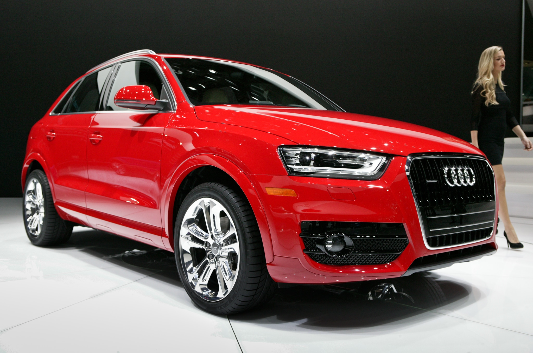 2015 audi q3 crossover u s bound debuts at 2014 detroit auto show. Black Bedroom Furniture Sets. Home Design Ideas