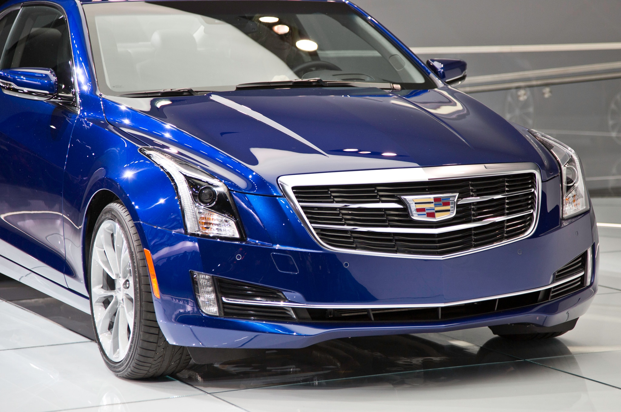 2015 cadillac ats coupe debuts at 2014 detroit auto show automobile magazine. Black Bedroom Furniture Sets. Home Design Ideas
