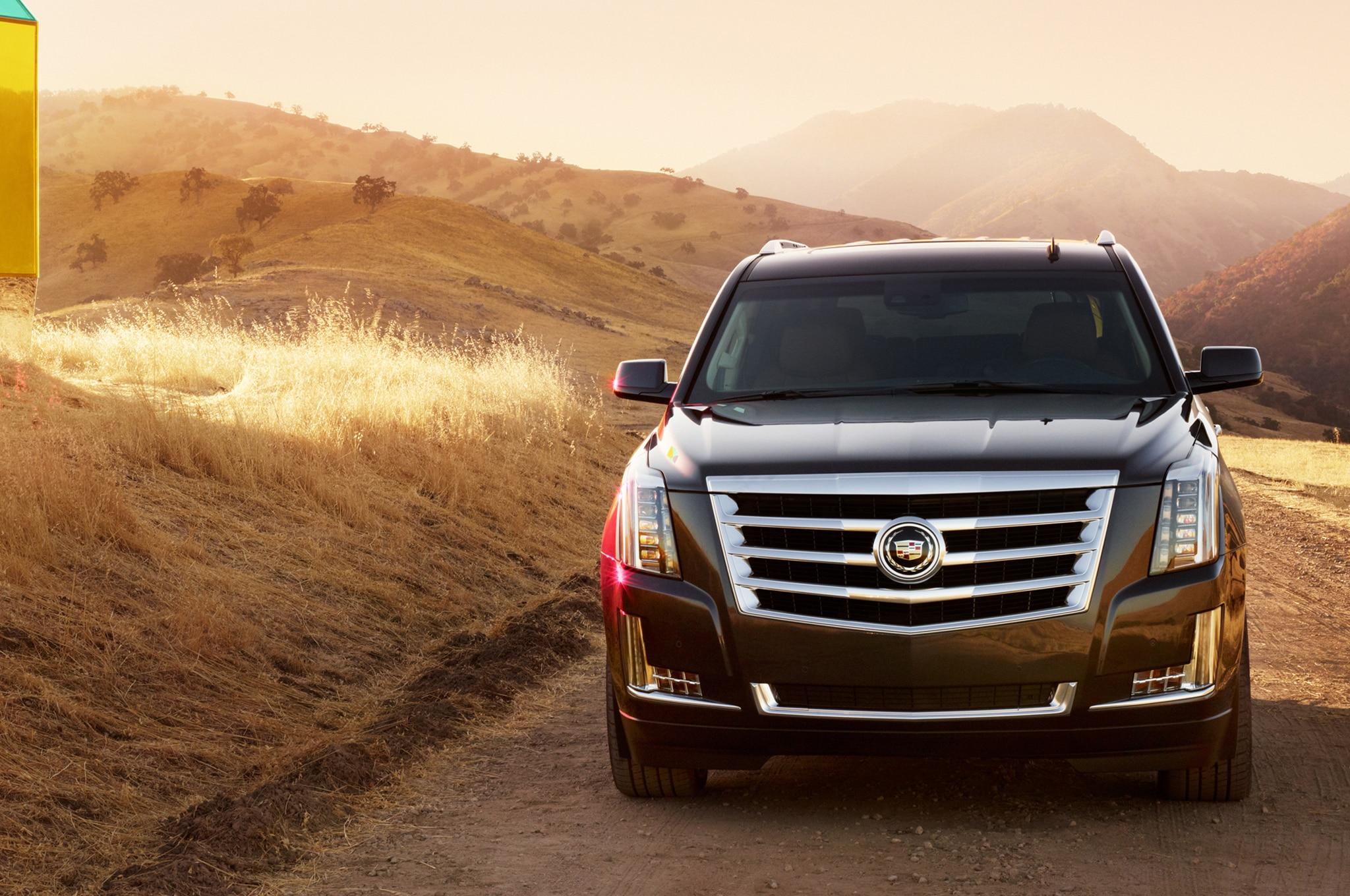 2015 Cadillac Escalade Front View1