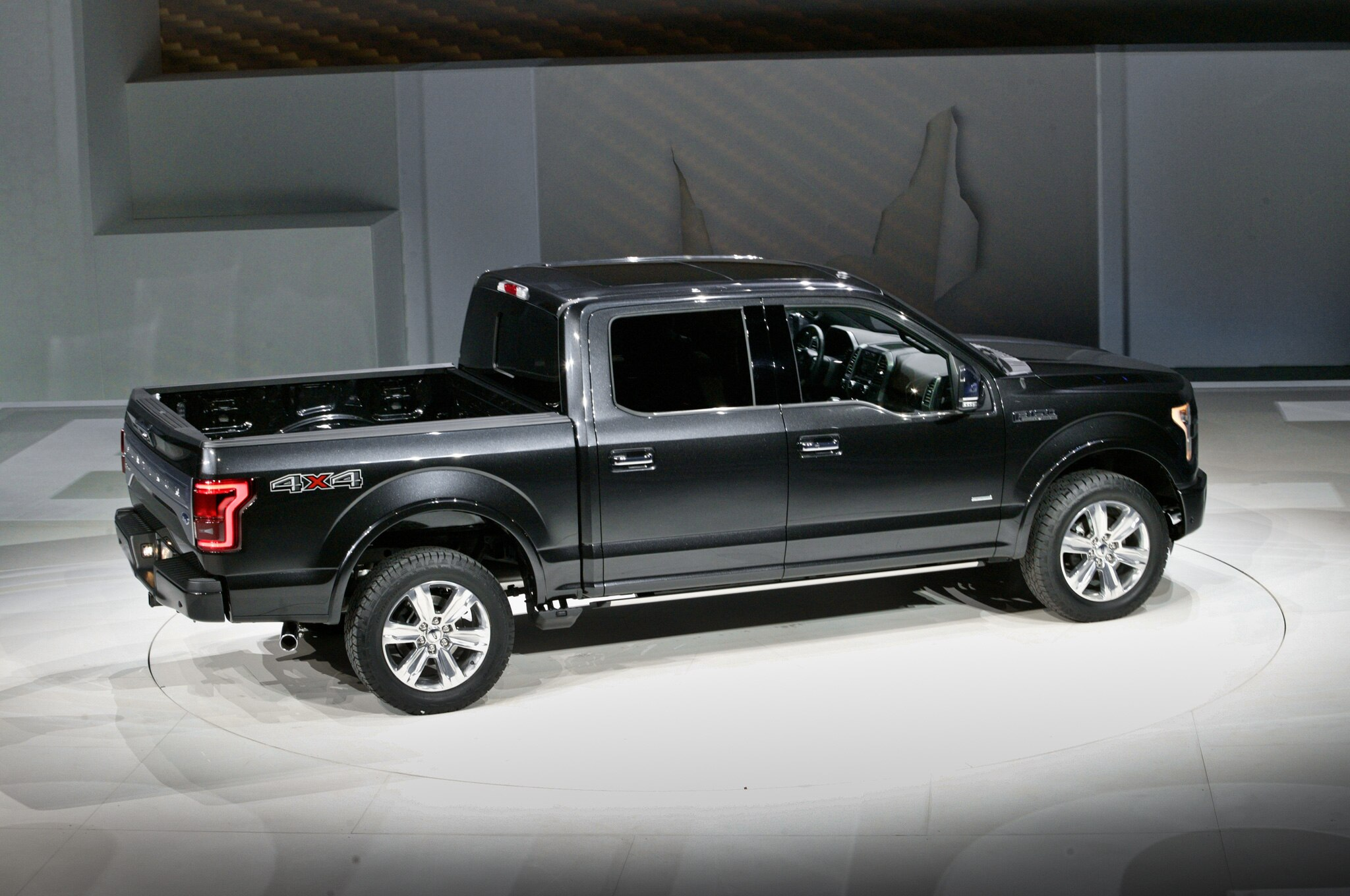 2015 Ford F 150 In Detroit Platinum Side View4