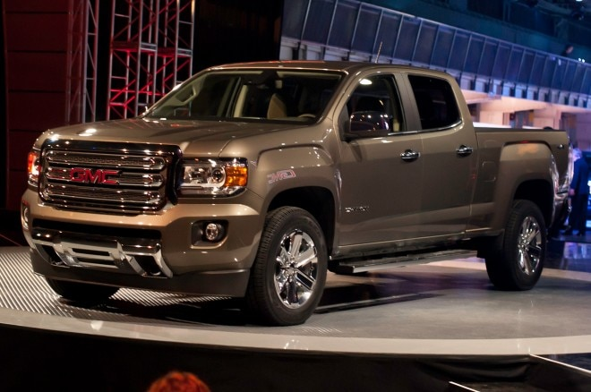 2015 GMC Canyon Front Side View Facing Left1 660x438