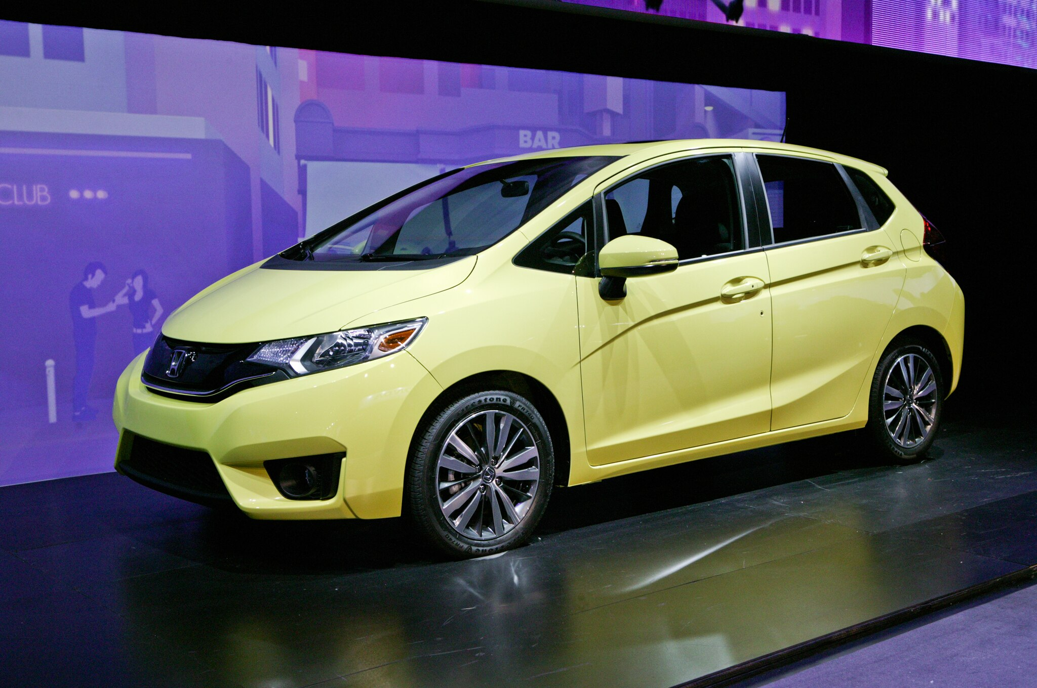 2015 Honda Fit Front Three Quarter1