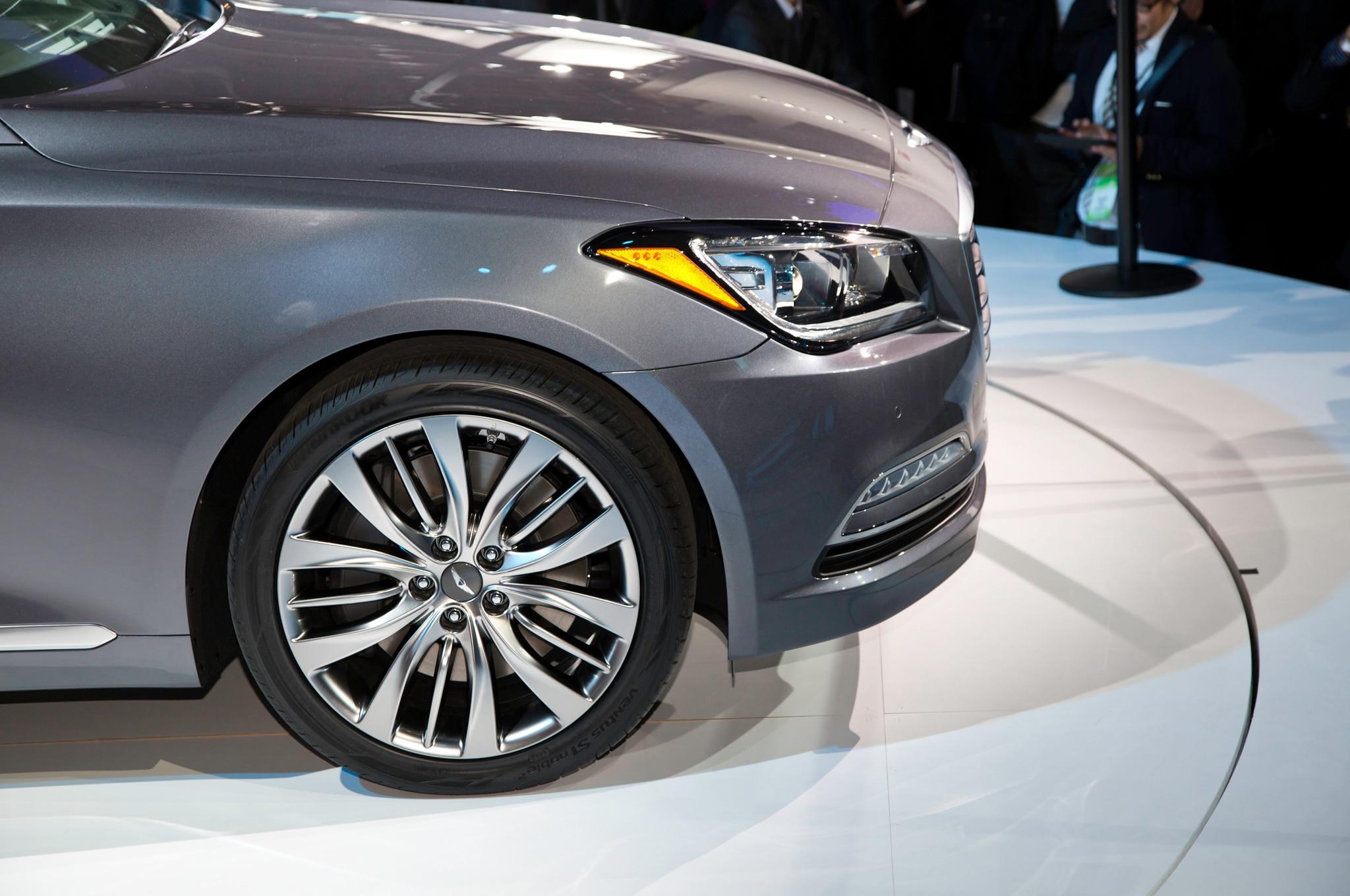 Hyundai Sonata Parts >> 2015 Hyundai Genesis Debuts At 2014 Detroit Auto Show - Automobile Magazine
