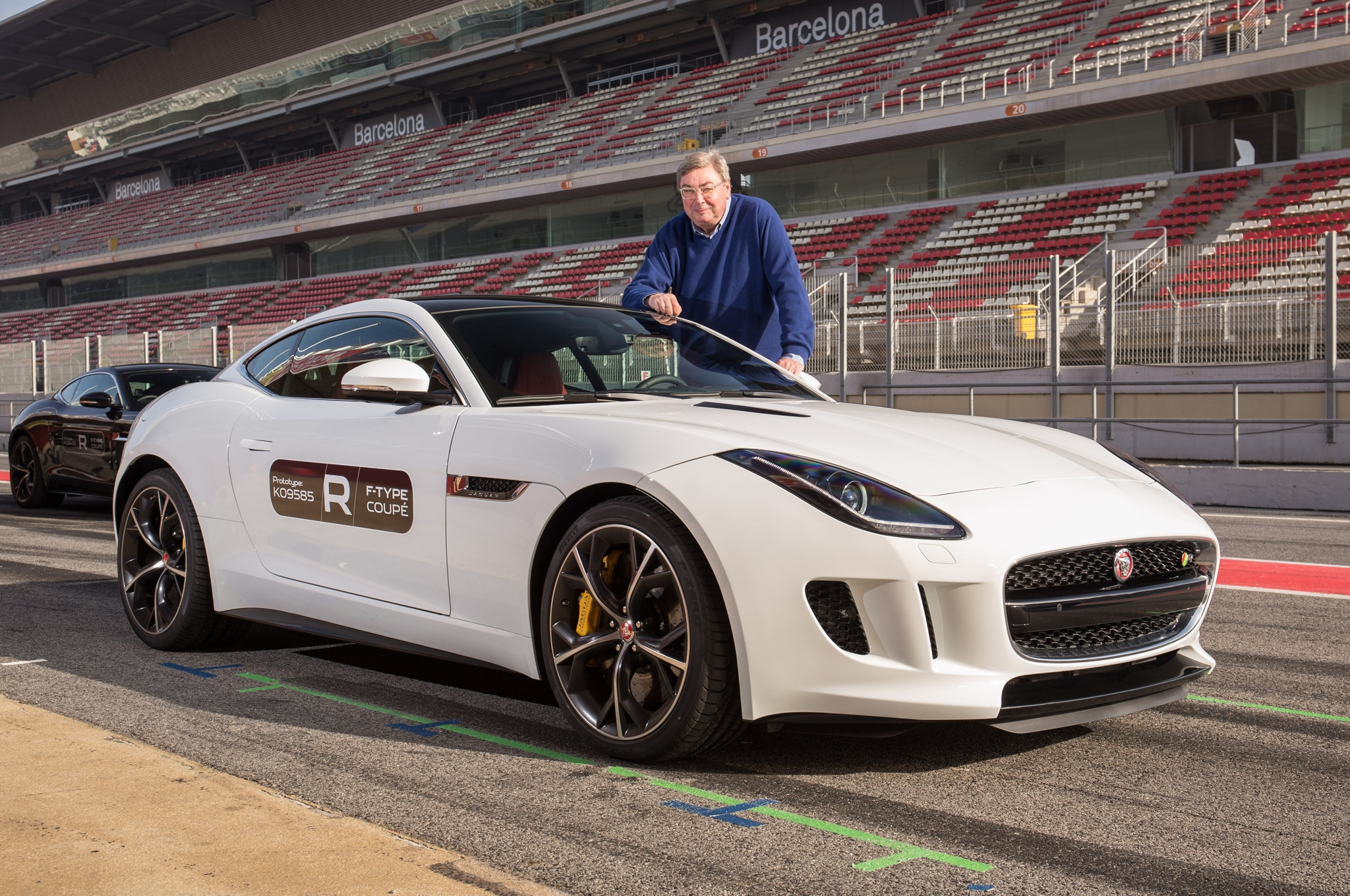 2015 Jaguar F Type Coupe Front Three Quarter1
