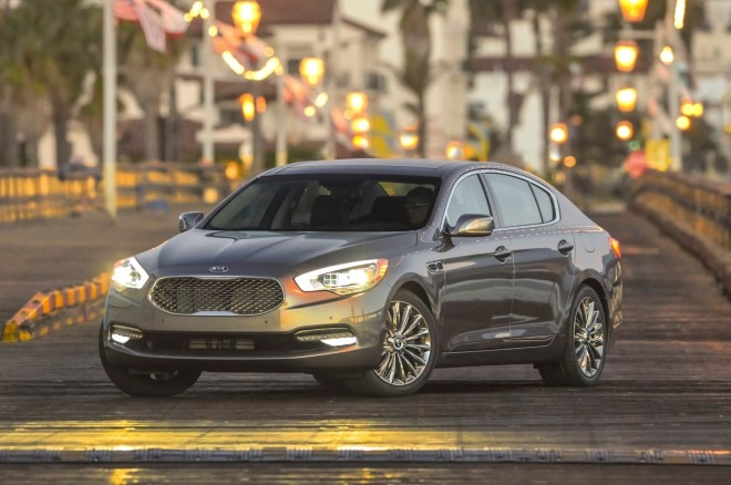 2015 Kia K900 Front Three Quarters View 022 660x438