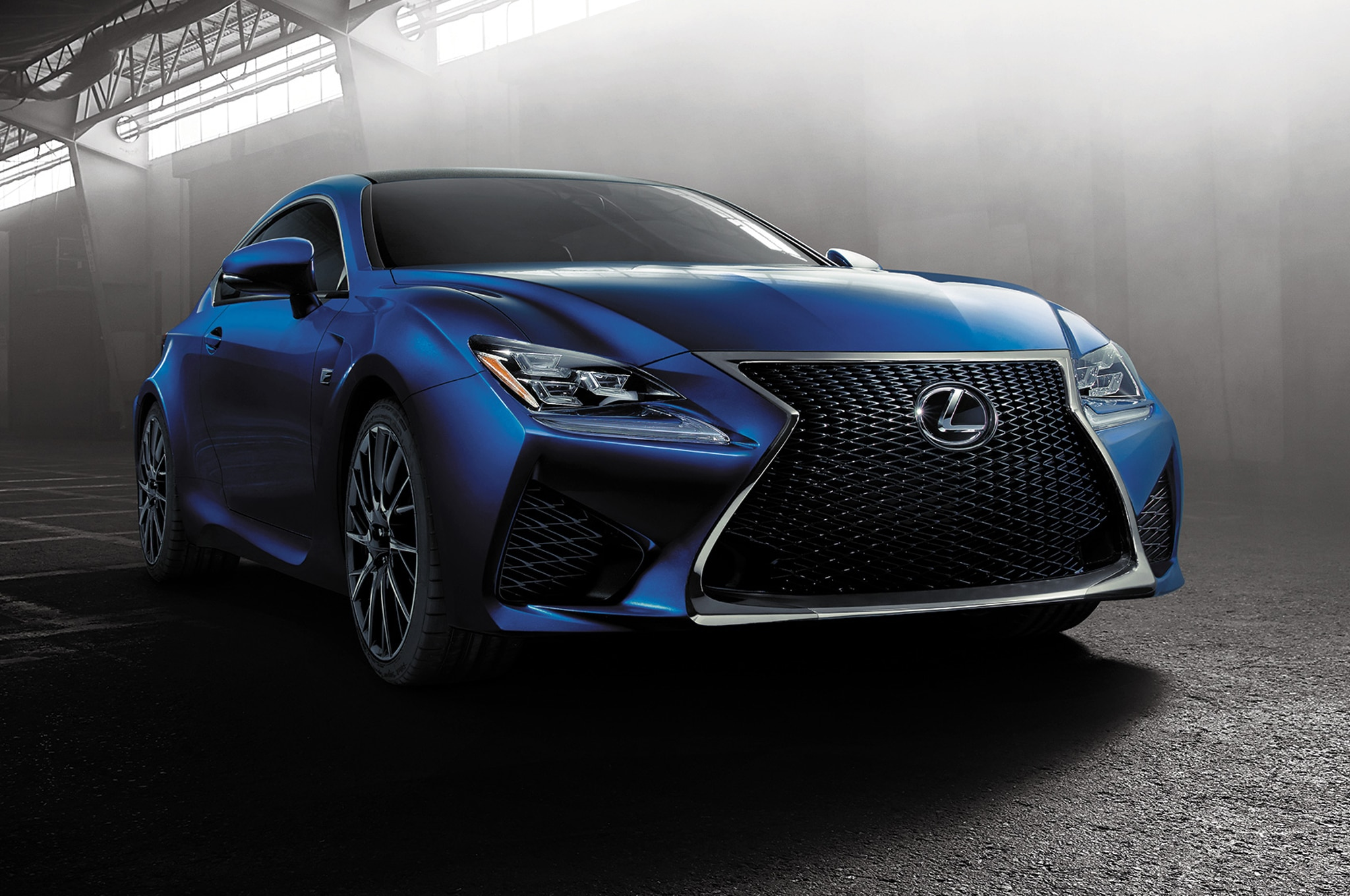 2015 Lexus RC F Coupe Front View1