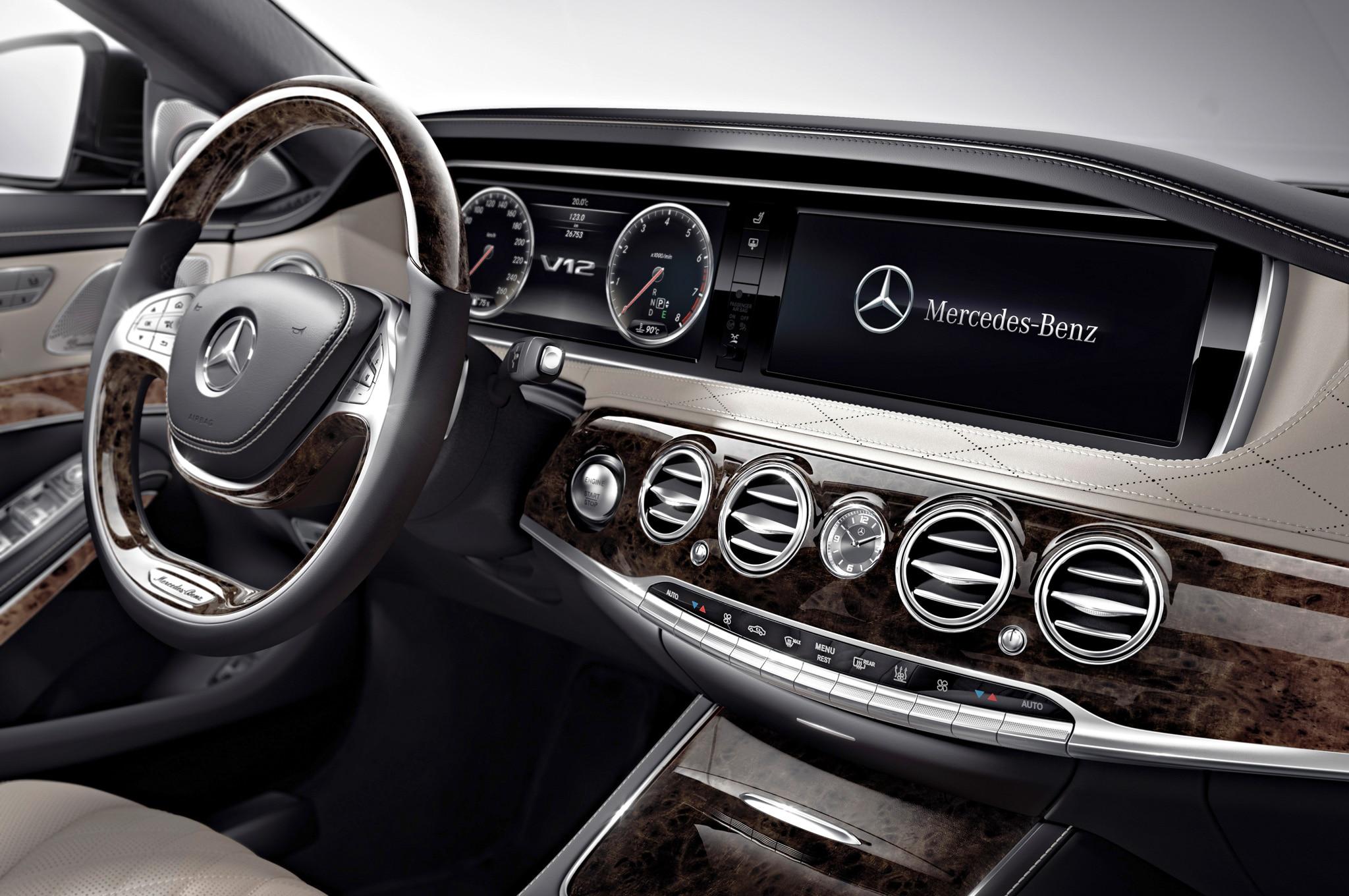 Image gallery mercedes benz 2015 interior for Mercedes benz c class 2015 interior