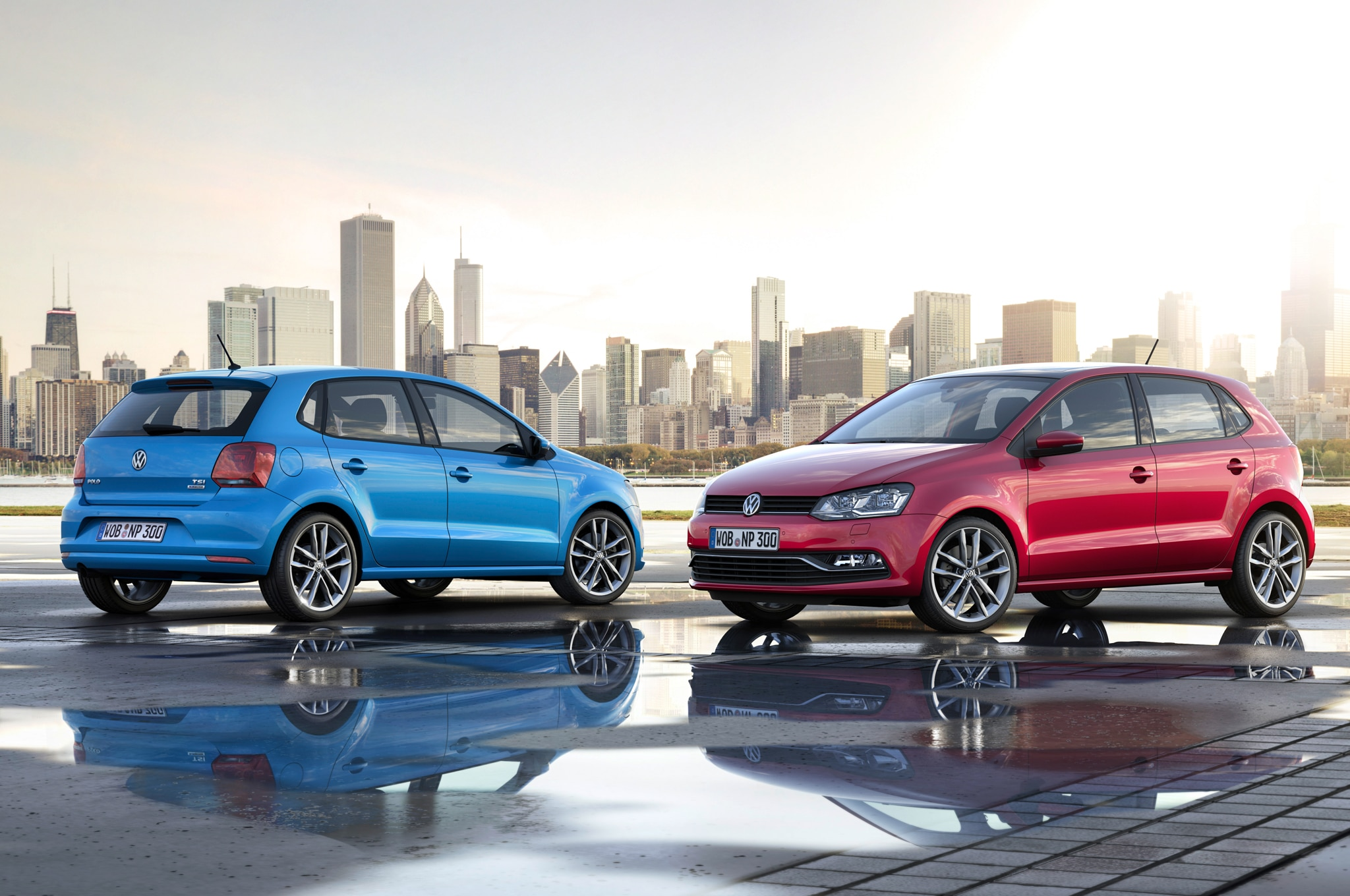 2015 Volkswagen Polo Rear And Front View1