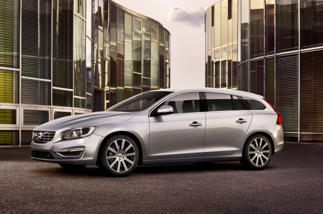 2015 Volvo V60 Front Three Quarter1 660x438