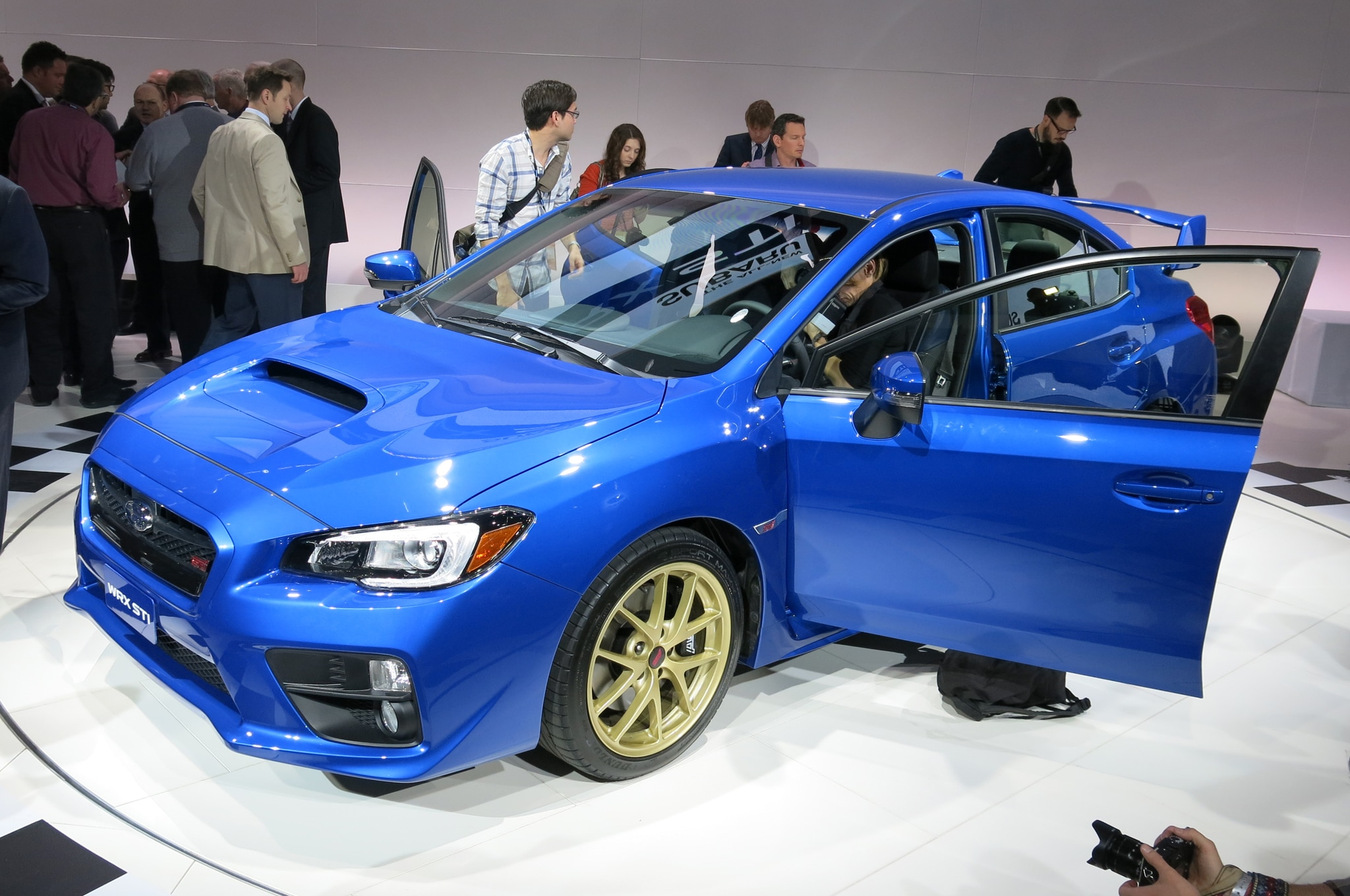 2015 Subaru Wrx Sti Launch Edition Front Three Quarter1