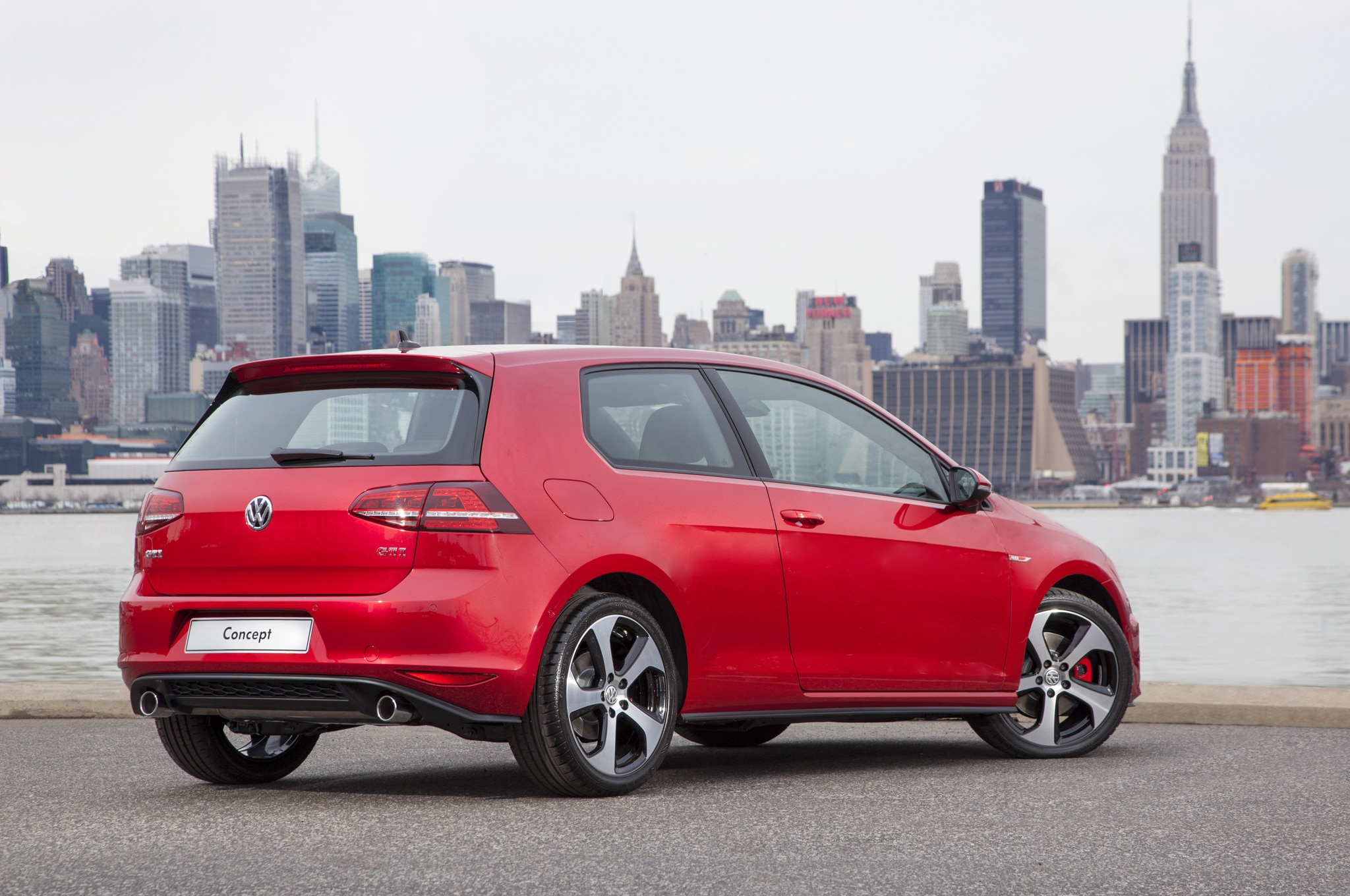2015 Volkswagen Golf Gti Rear Angle