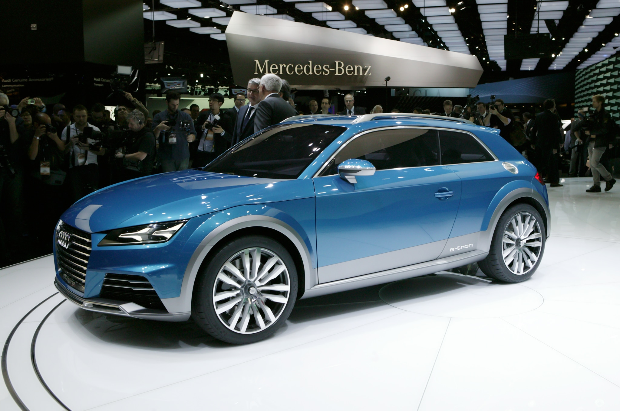 Audi Allroad Shooting Brake Concept Front Three Quarter 021