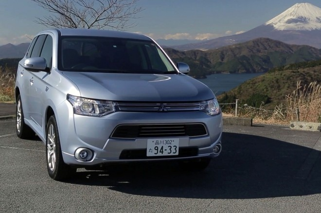 Mitsubishi Outlander PHEV Front Three Quarters And Mt Fuji1 660x438
