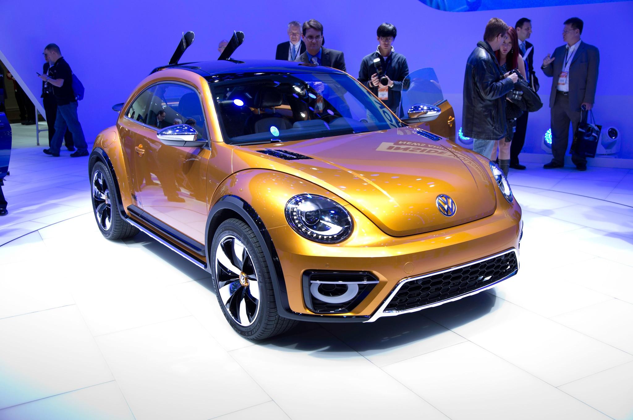 Volkswagen Beetle Dune Concept Front Three Quarters3