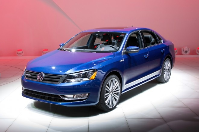 Volkswagen Passat BlueMotion Concept Front Three Quarters 660x438