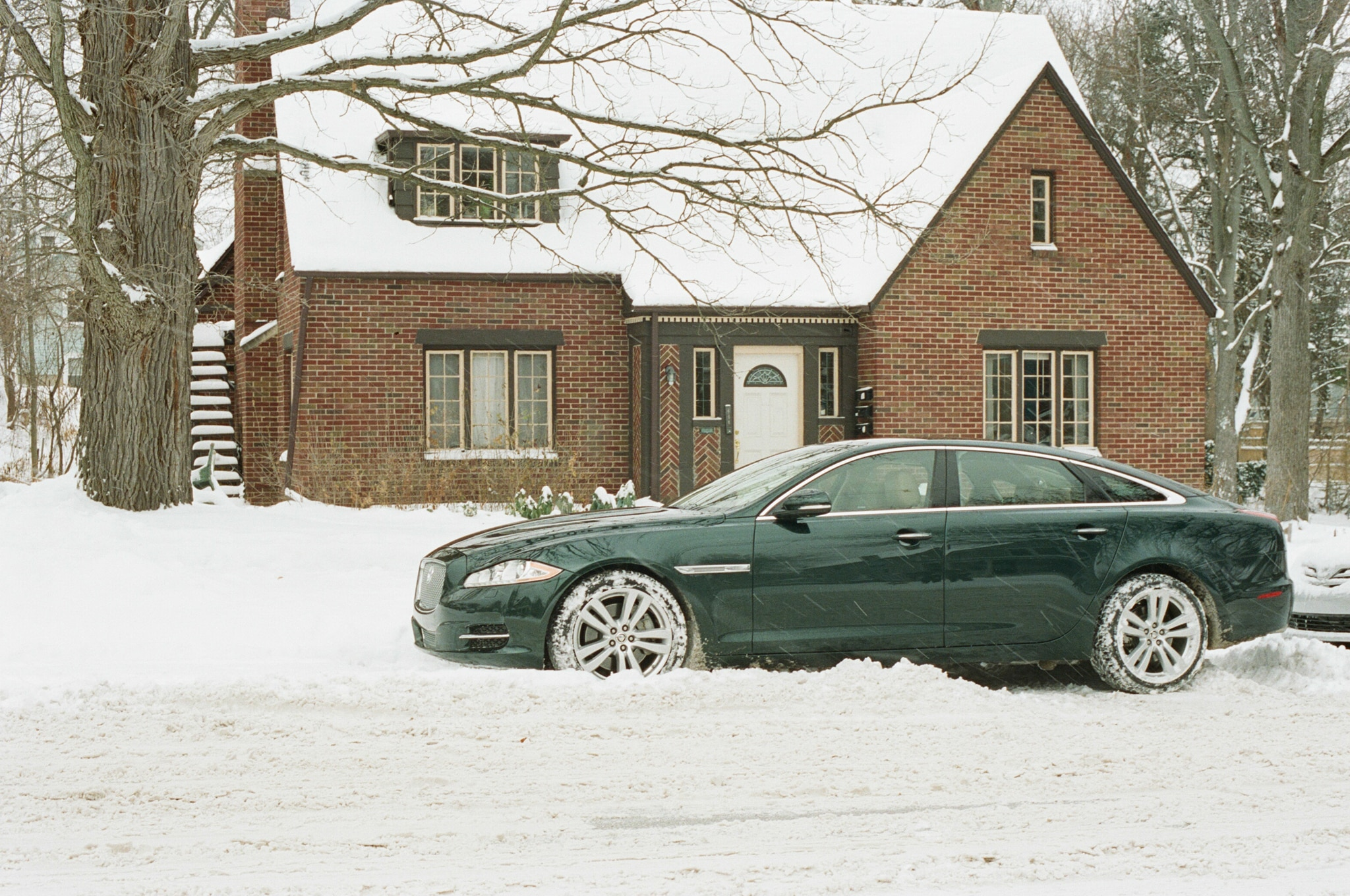 2013 Jaguar Xjl Profile Snow1