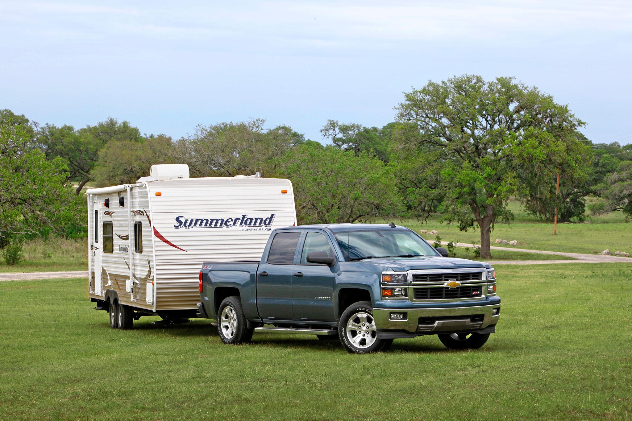 2014 Chevrolet Silverado LTZ Front Passengers Side View Trailer1