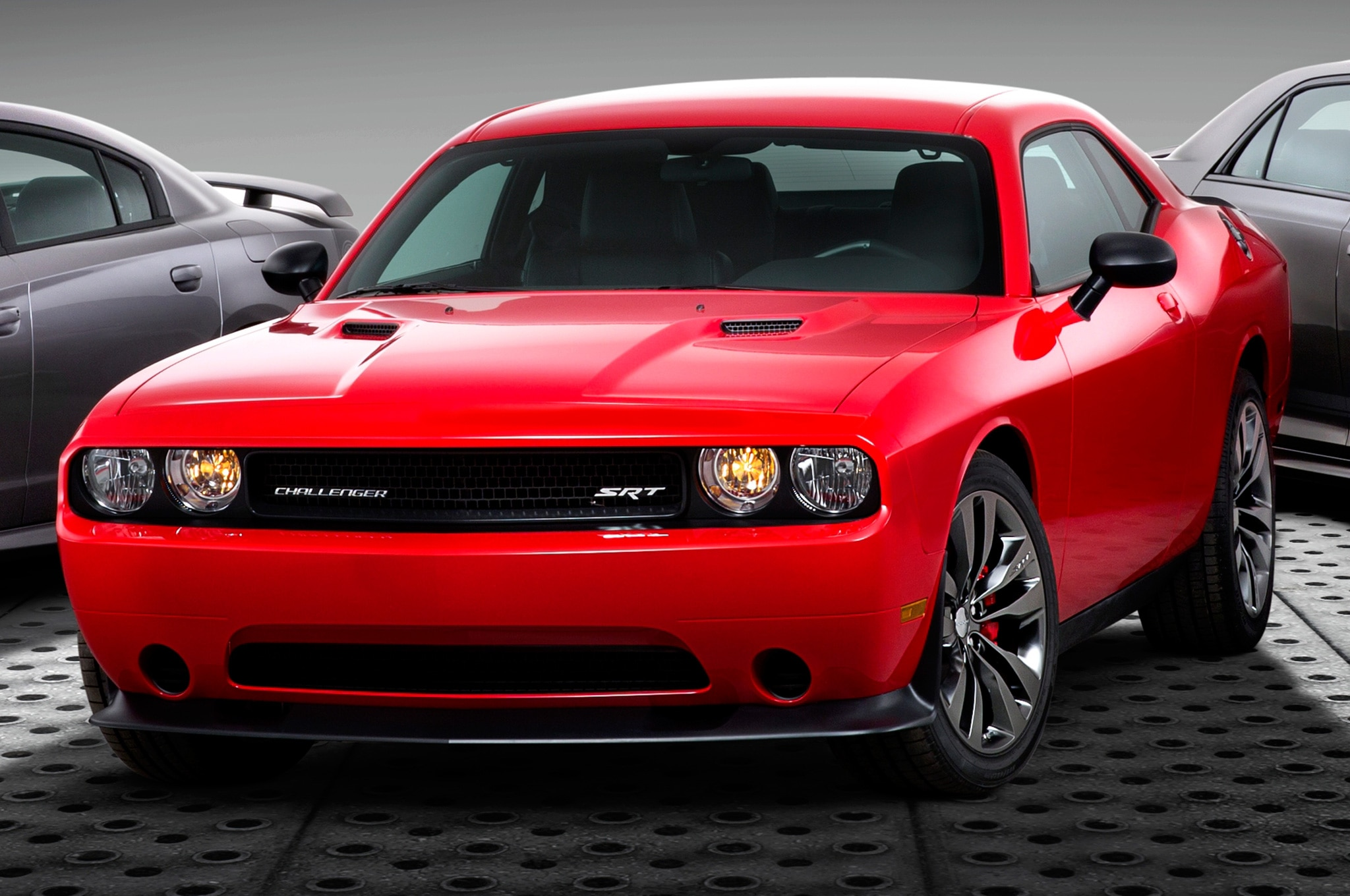 Srt Adds Satin Vapor Editions For 300 Challenger And