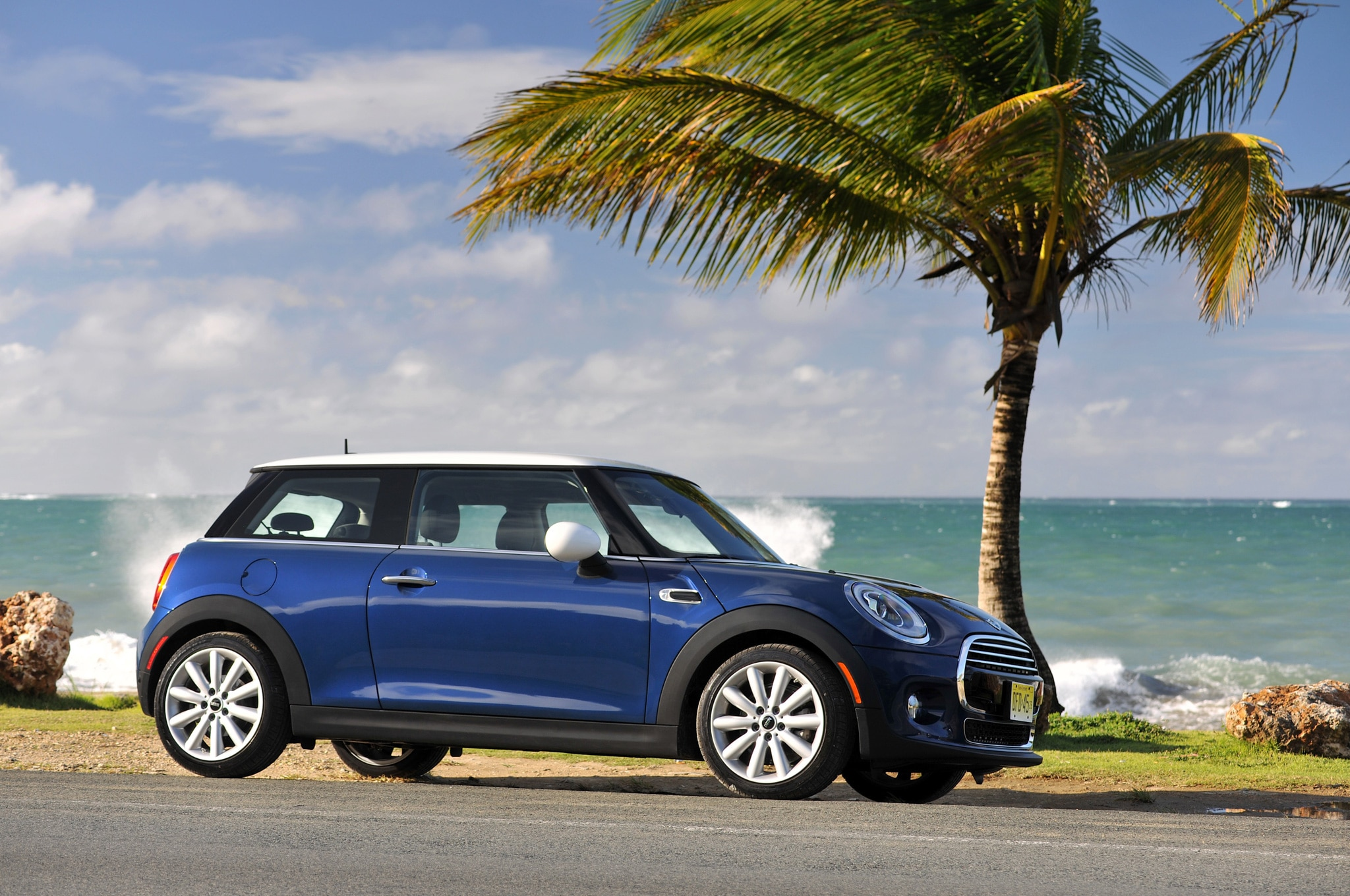2014 Mini Cooper Side View On Coastline 22