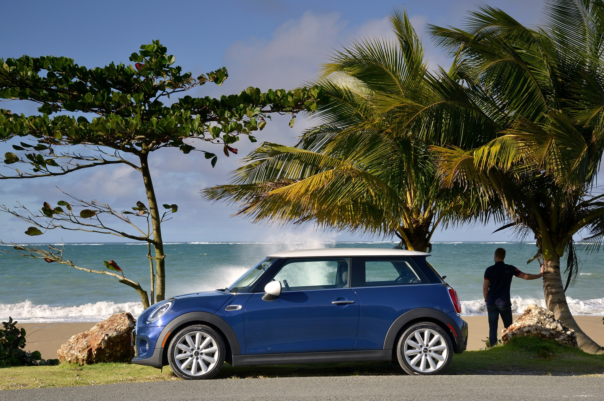 2014 Mini Cooper Side View On Coastline2