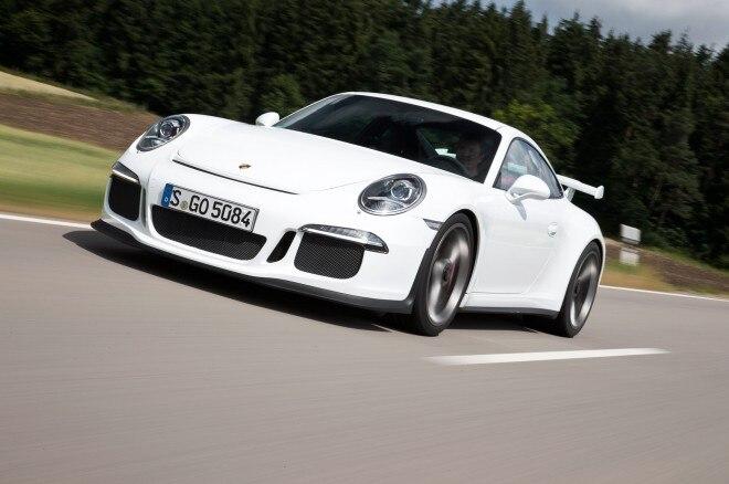 2014 Porsche 911 GT3 Front Left View 131 660x438