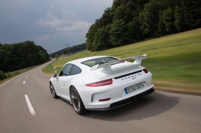 2014 Porsche 911 GT3 Rear Left View 24 660x438