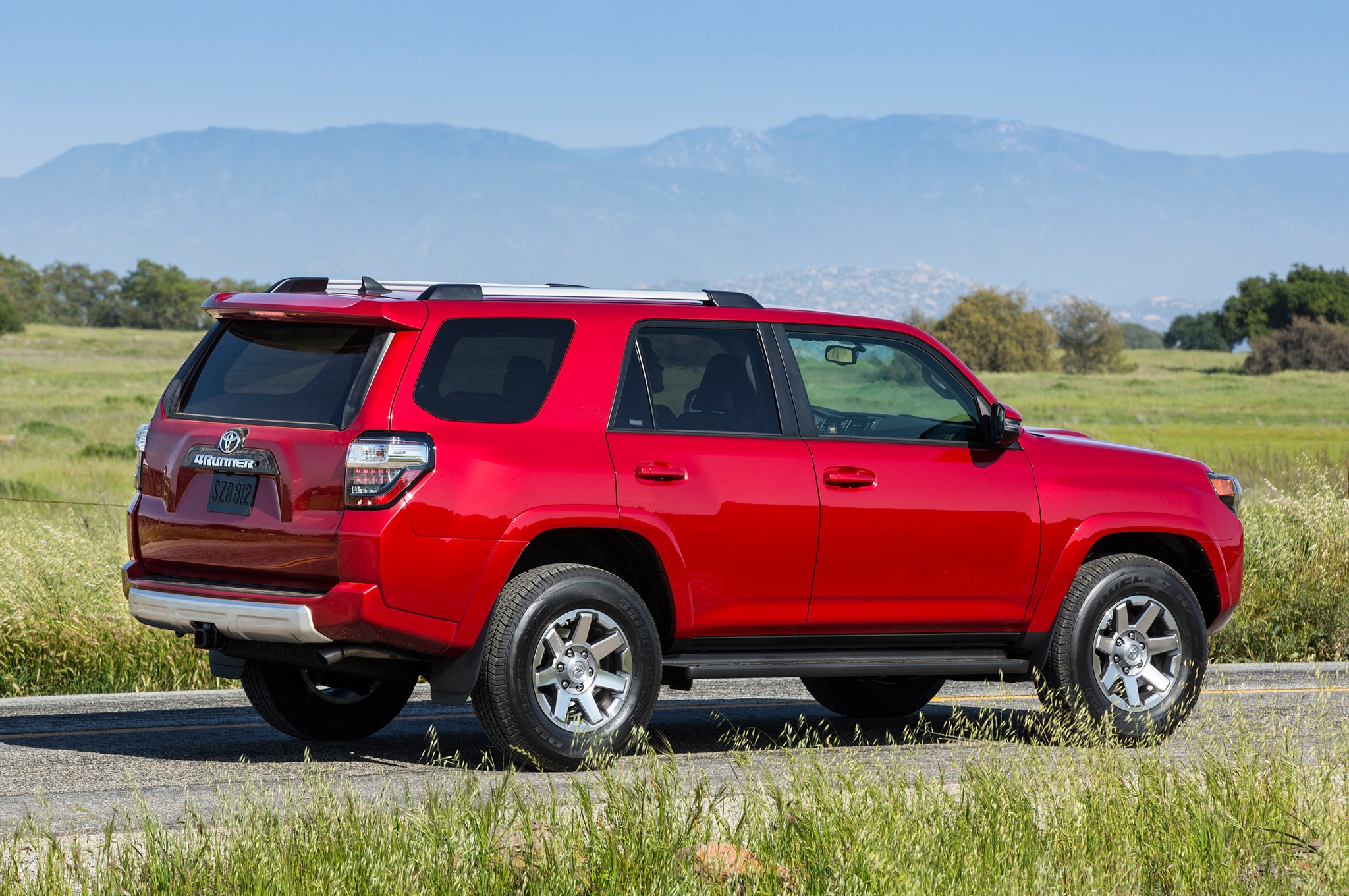 2014 Toyota 4runner Trail Rear1